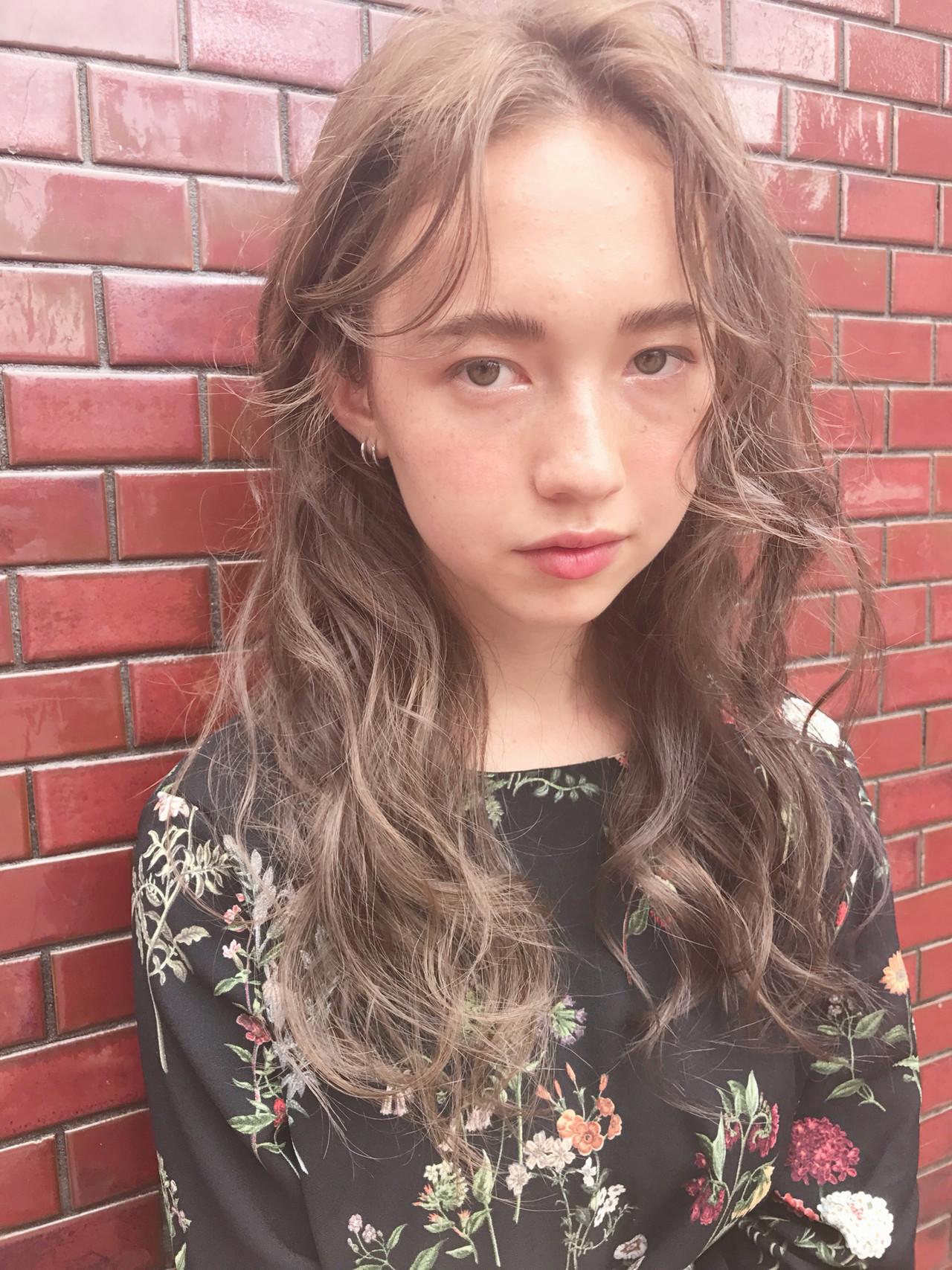 外国人風カラー ロング 大人ハイライト ハイライト ヘアスタイルや髪型の写真・画像 | KT / フリー