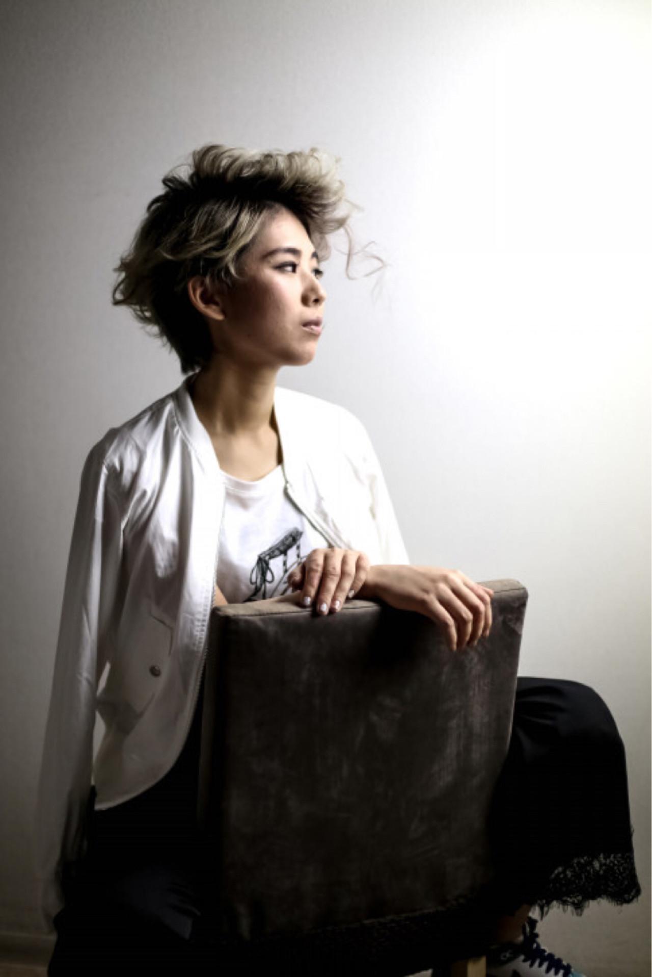 ハイトーン 透明感 ショート ゆるふわ ヘアスタイルや髪型の写真・画像   富田 吉則 / TAYA 流山おおたかの森S・C店