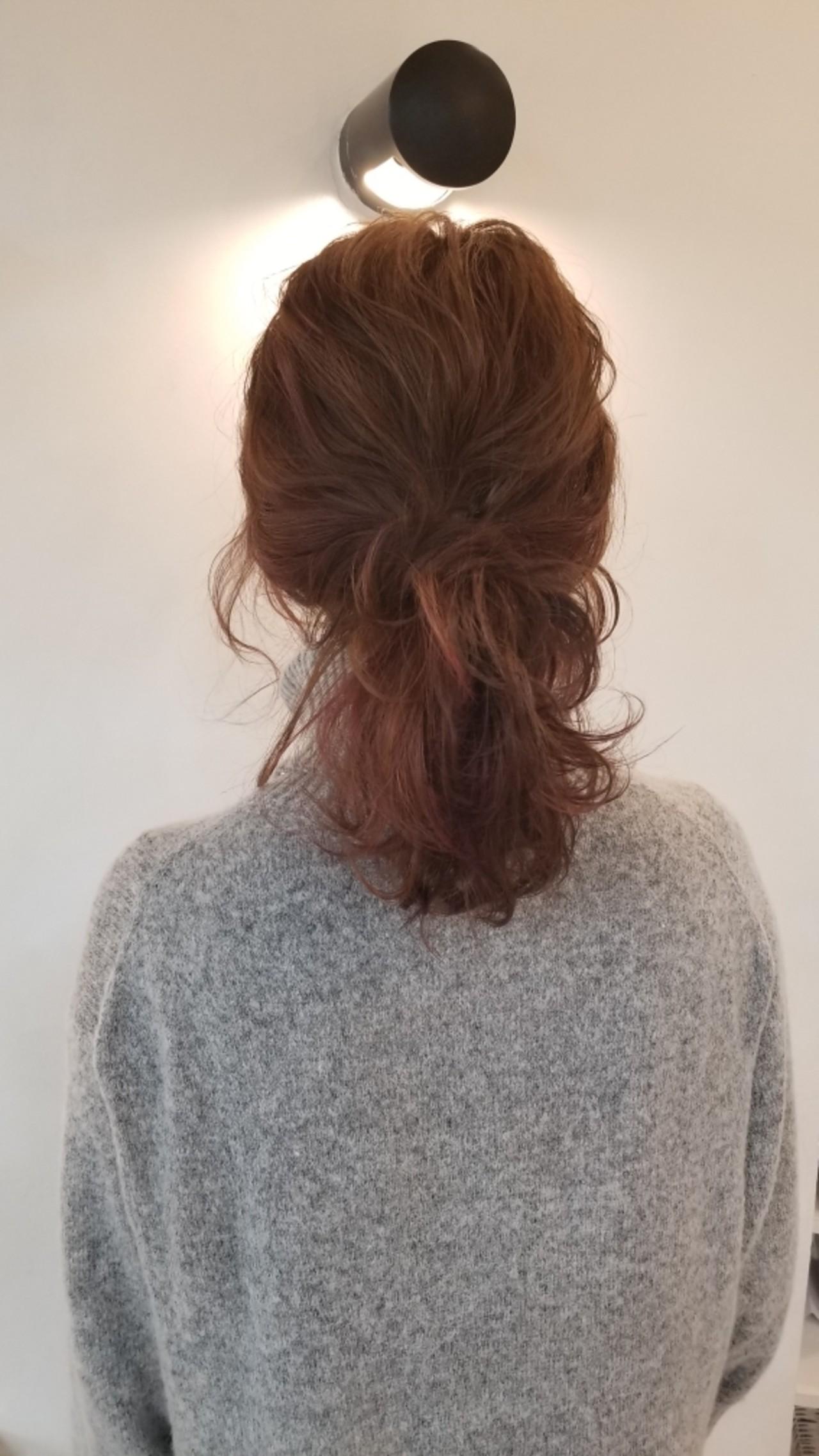セミロング ナチュラル インナーカラー バレンタイン ヘアスタイルや髪型の写真・画像