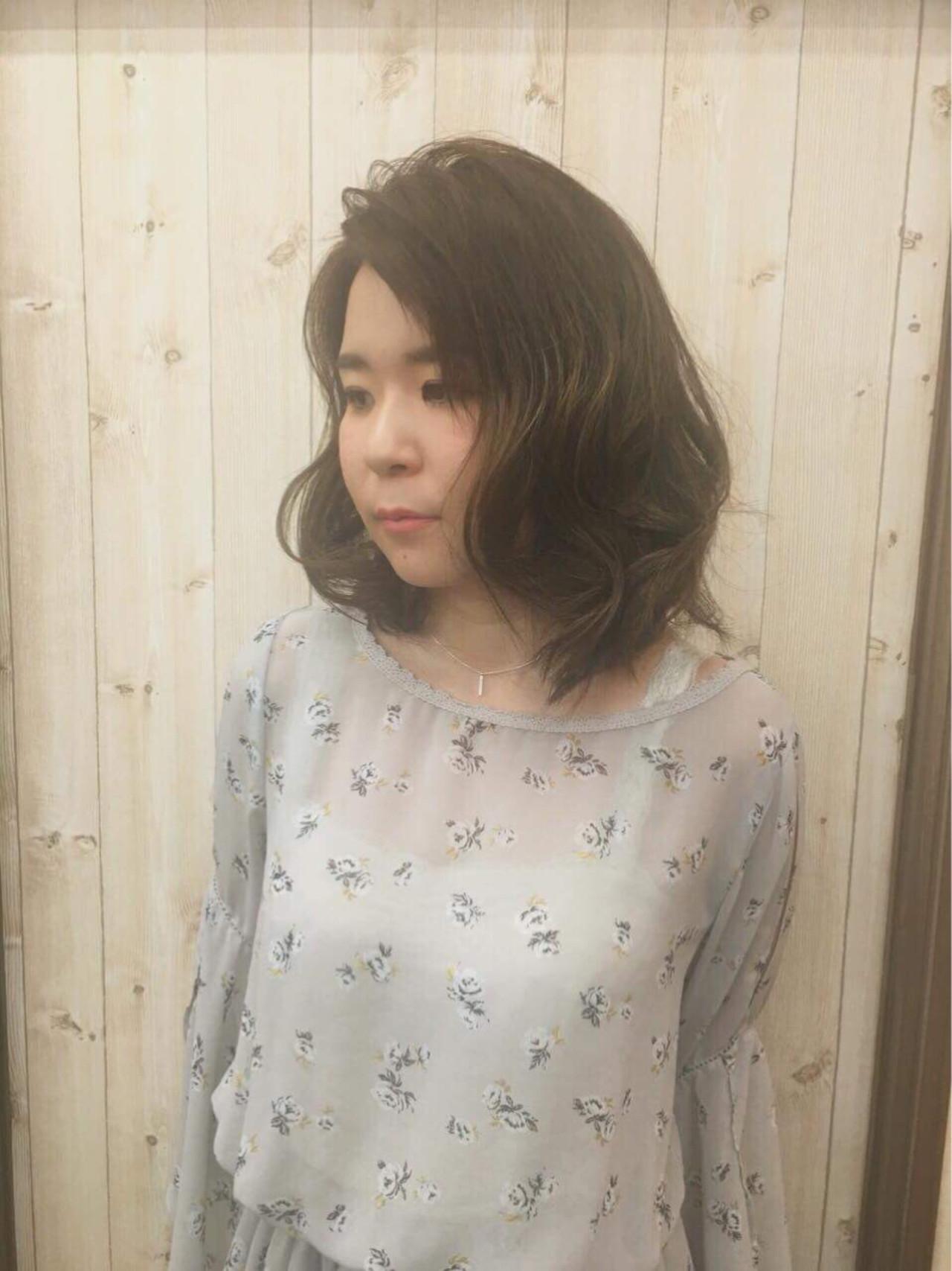 フェミニン 透明感 ミディアム パーティ ヘアスタイルや髪型の写真・画像