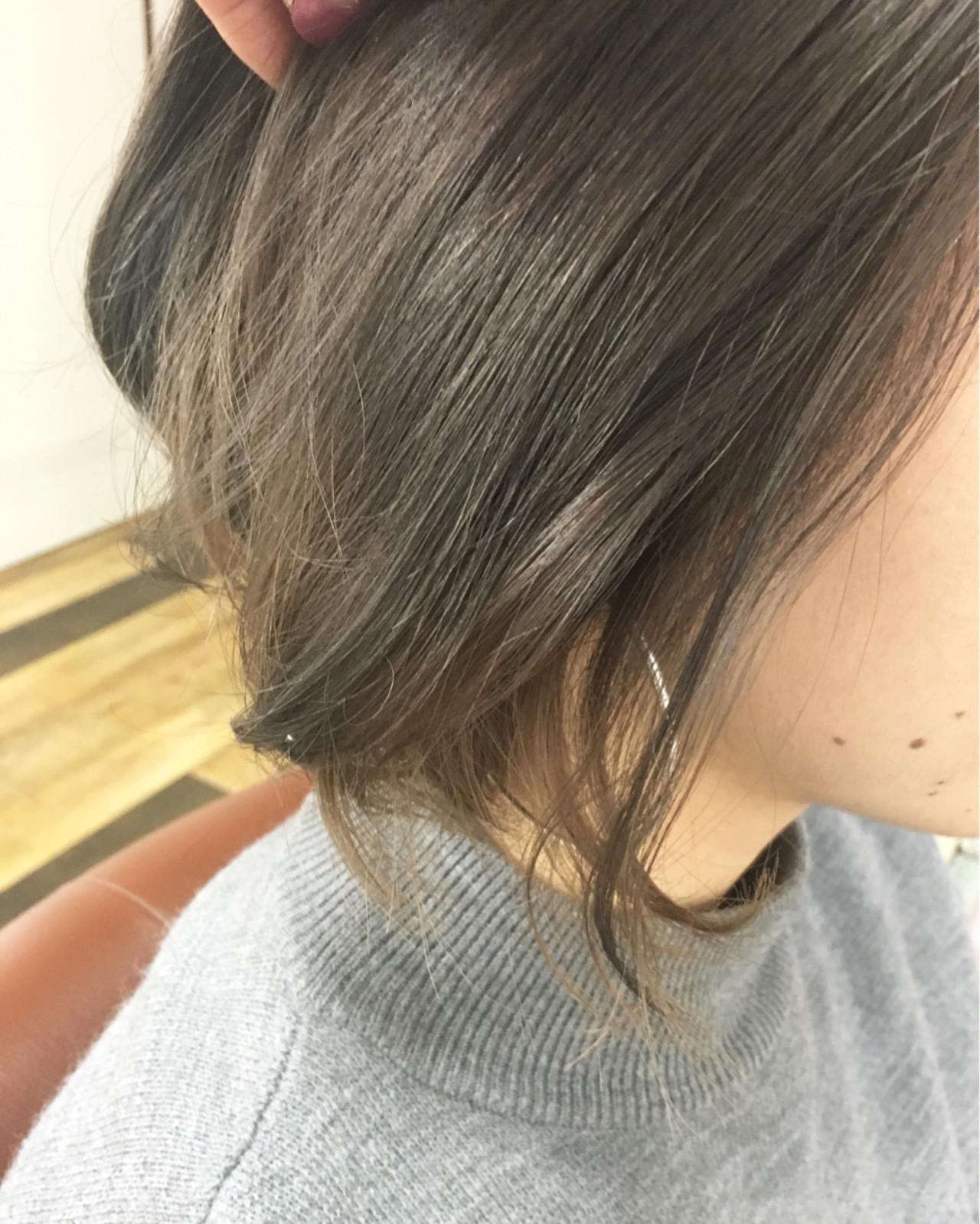 外国人風 ショート インナーカラー アッシュ ヘアスタイルや髪型の写真・画像 | 山崎 沙織 / famille