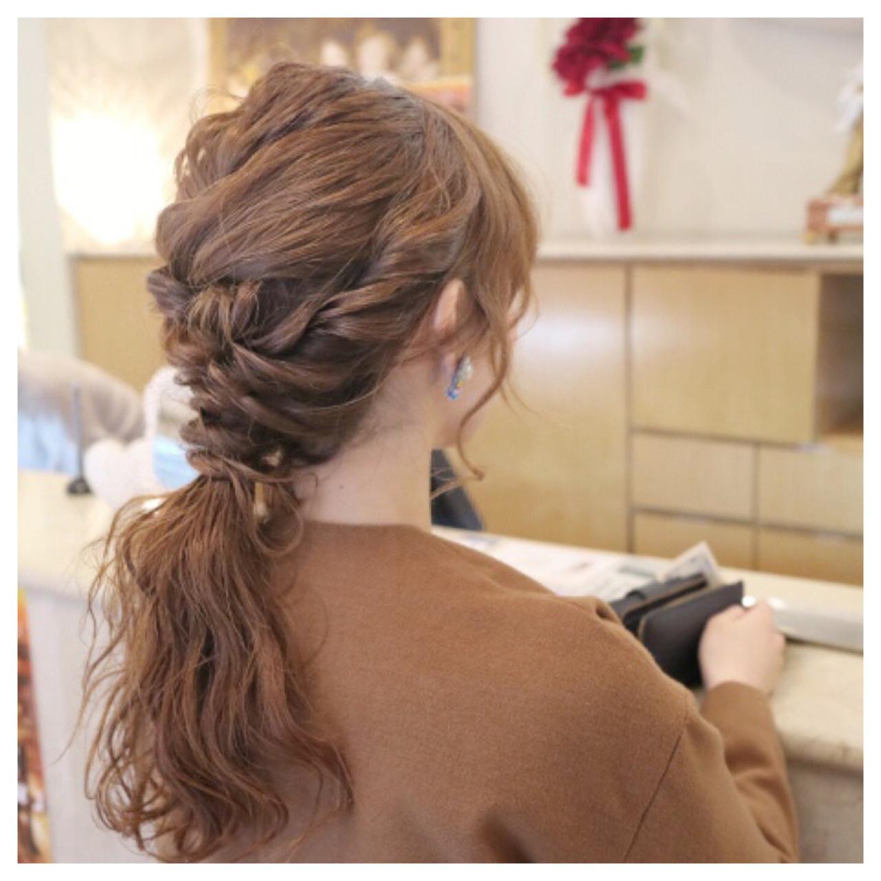 ゆるふわ フェミニン ヘアアレンジ ロング ヘアスタイルや髪型の写真・画像 | 佐伯 優 / e.m.a ASSORT
