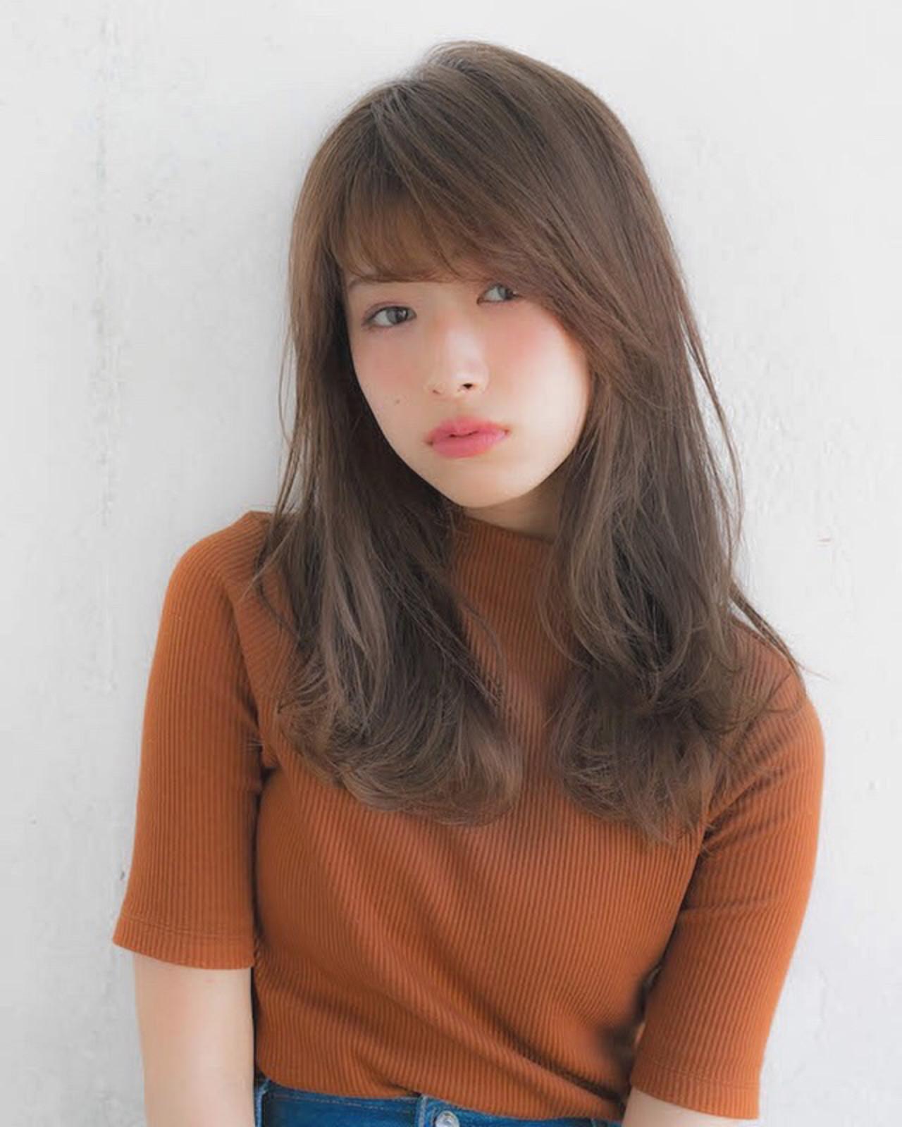 前髪 大人かわいい グレージュ アンニュイほつれヘア ヘアスタイルや髪型の写真・画像