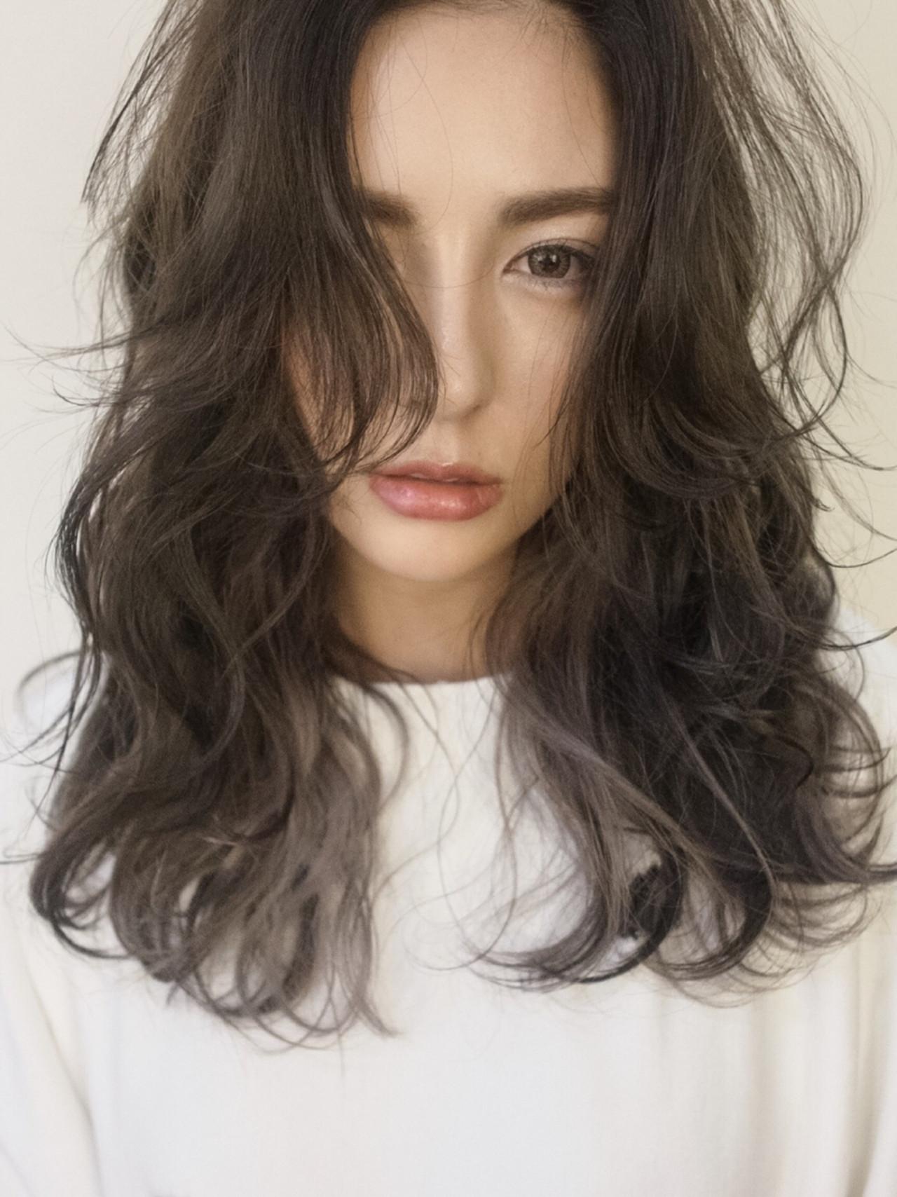 外国人風 ストリート セミロング 暗髪 ヘアスタイルや髪型の写真・画像