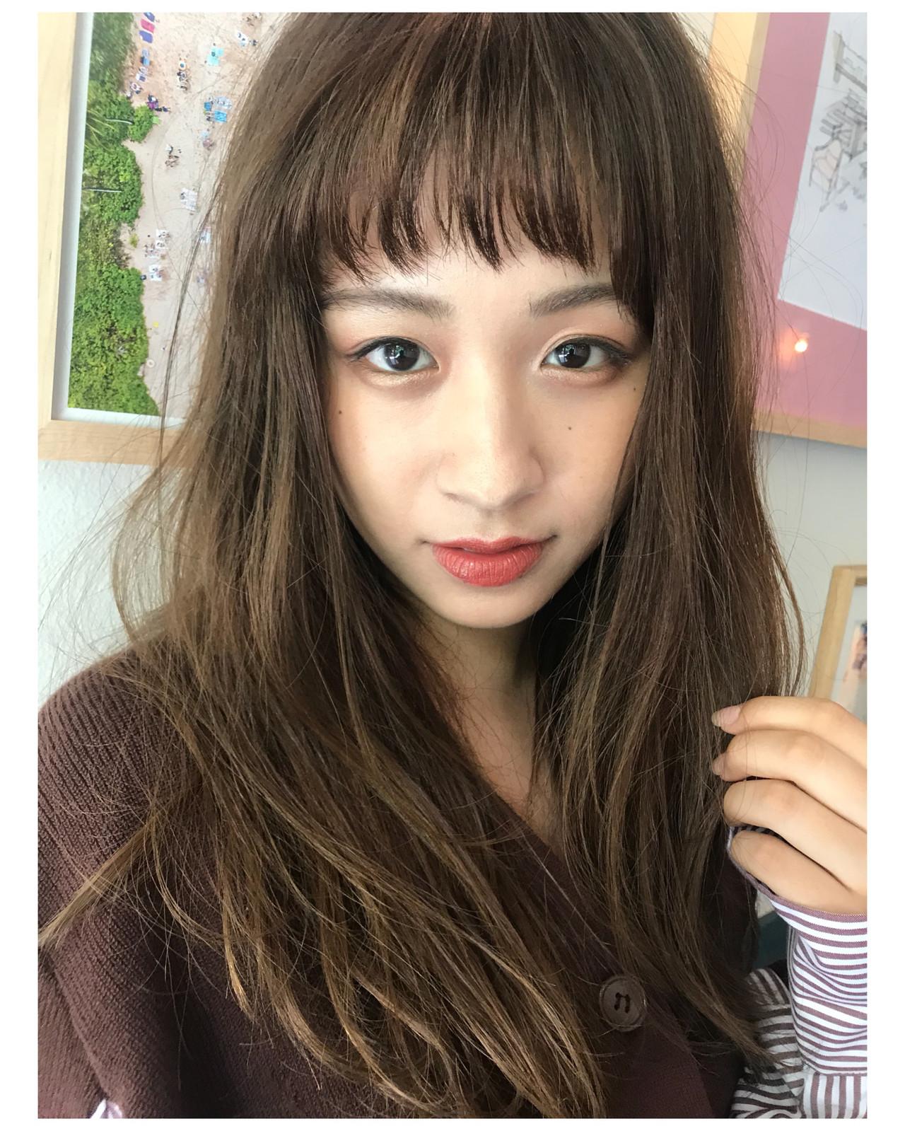 ベビーバング フェミニン ジグザグ オン眉 ヘアスタイルや髪型の写真・画像