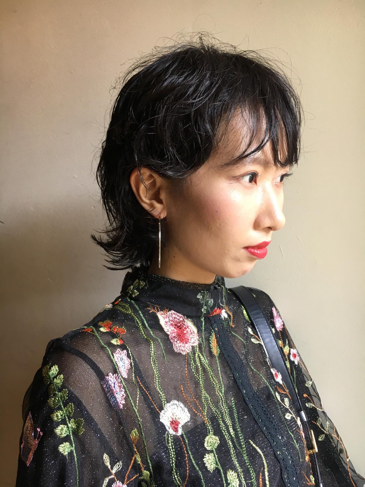 ショート 黒髪 パーマ ウルフカット ヘアスタイルや髪型の写真・画像 | 京都/片山 勇馬/ショート / snob