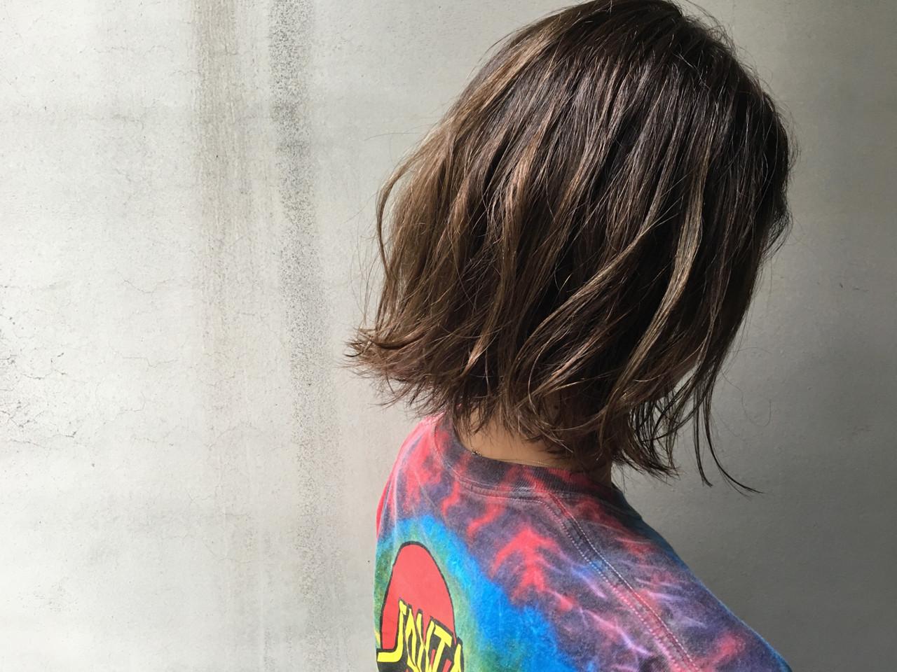 外国人風 ストリート ハイライト 外ハネ ヘアスタイルや髪型の写真・画像