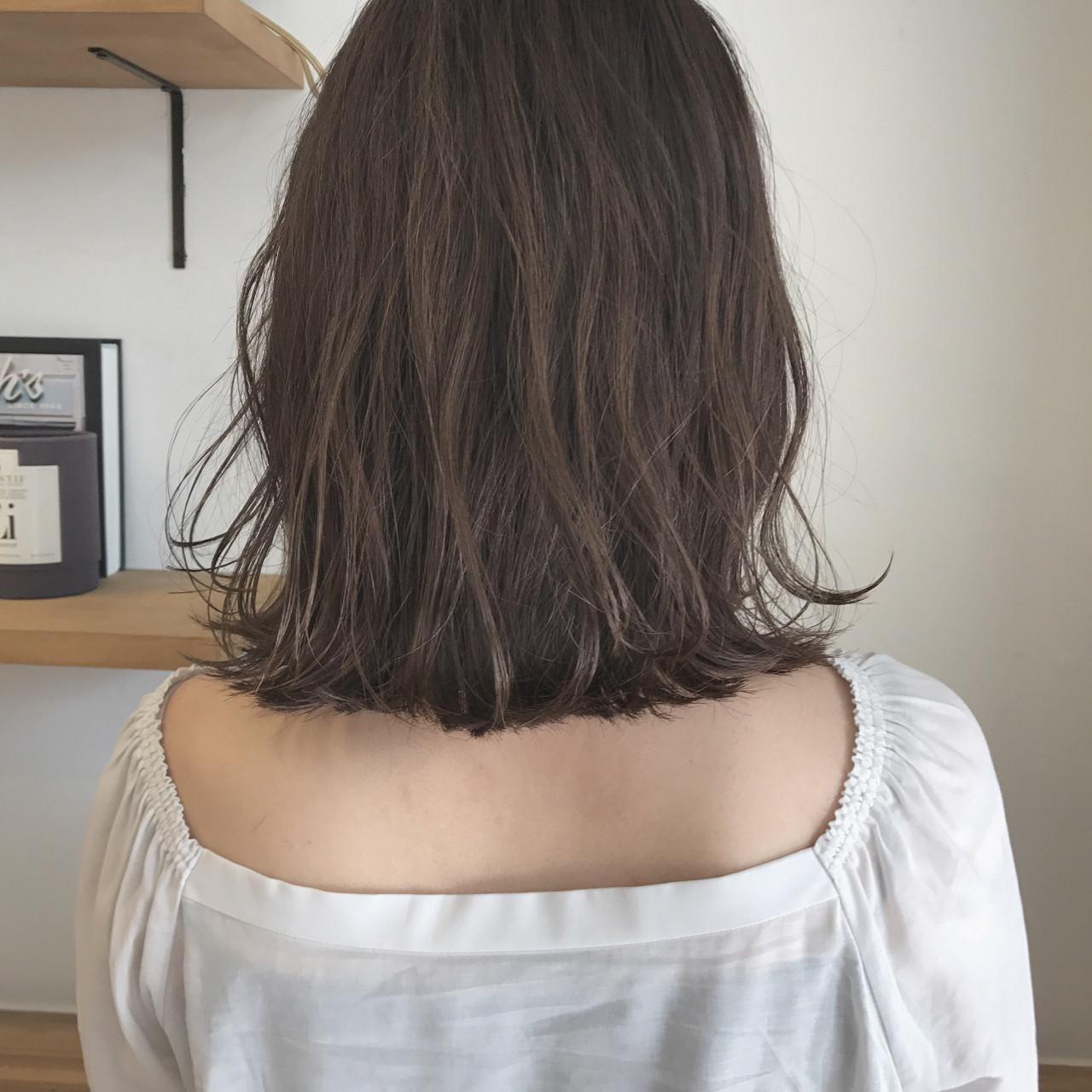 外ハネ ハイライト ナチュラル 透明感 ヘアスタイルや髪型の写真・画像