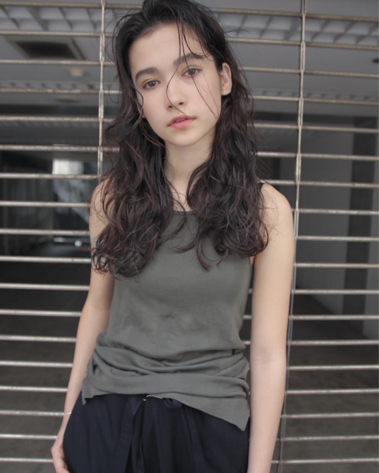 パーマ ロング ウェーブ 外国人風 ヘアスタイルや髪型の写真・画像 | 津崎 伸二 / nanuk / nanuk渋谷店(ナヌーク)