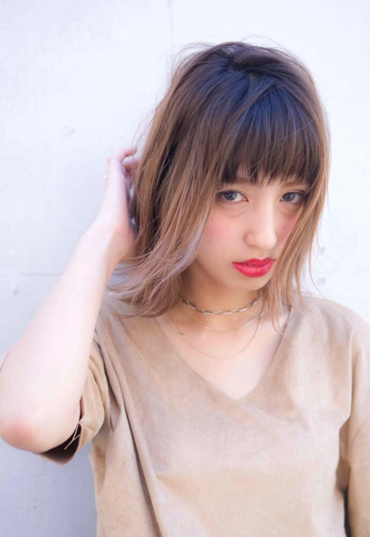 ヌーディベージュ グラデーションカラー ミルクティーベージュ ボブ ヘアスタイルや髪型の写真・画像