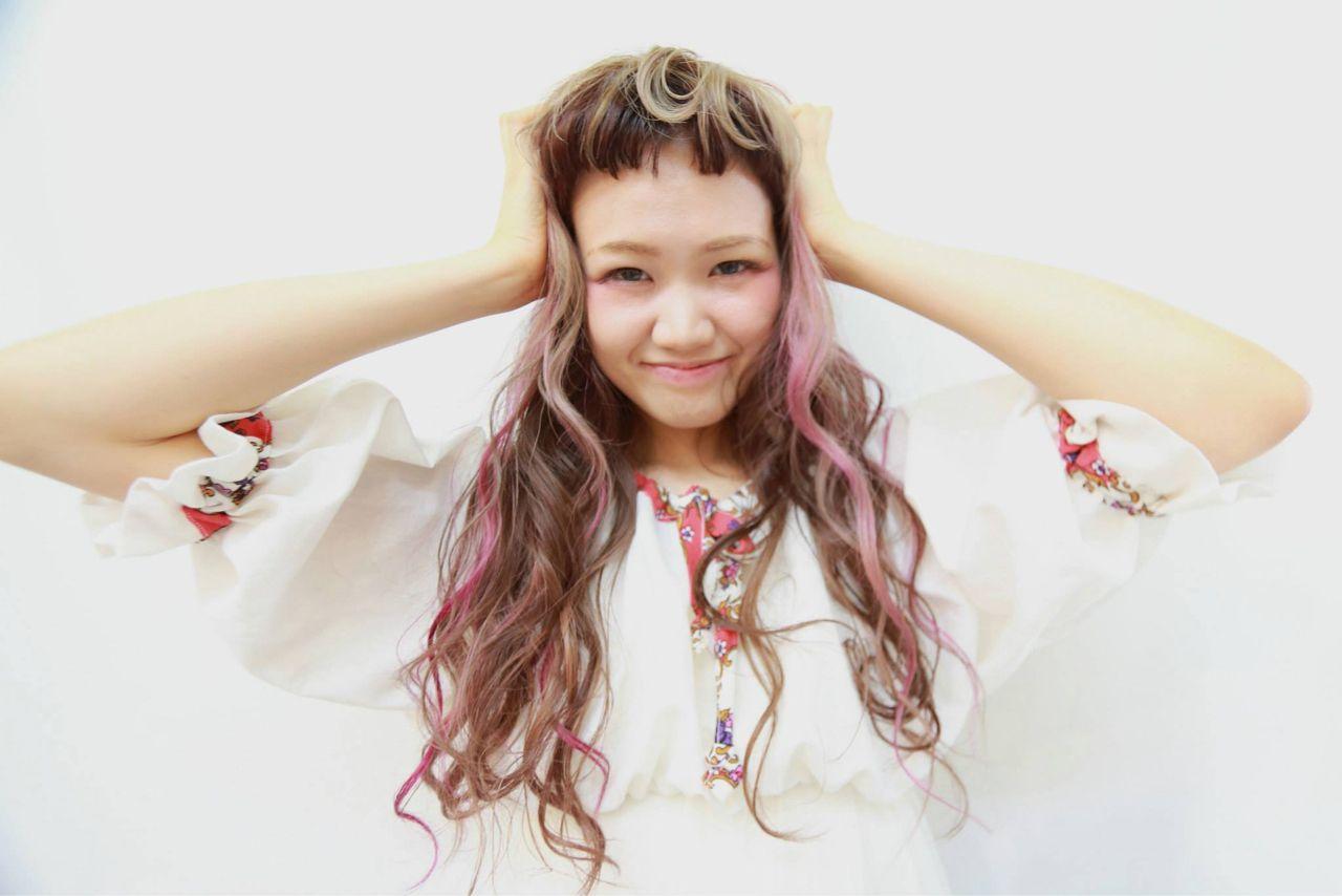 ピンク グラデーションカラー ロング ナチュラル ヘアスタイルや髪型の写真・画像