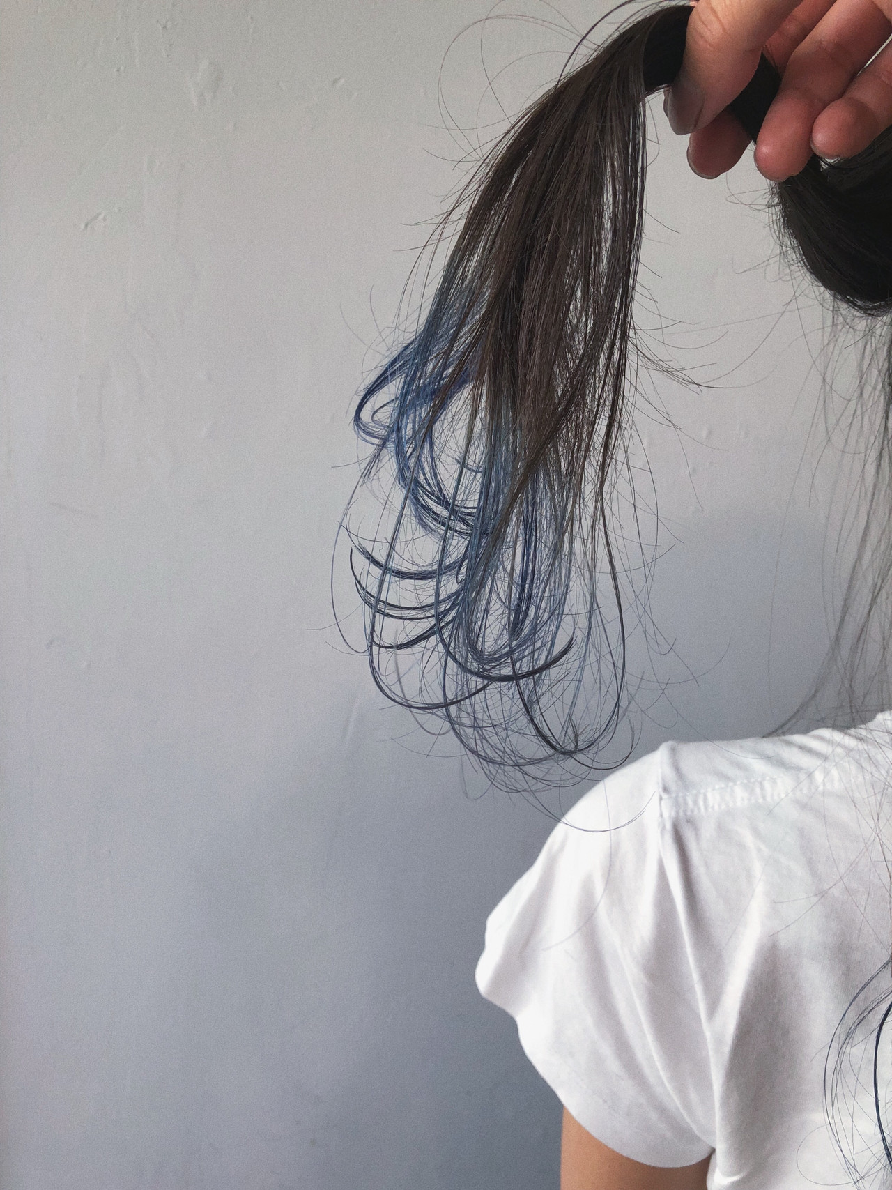 ネイビー セミロング グラデーションカラー ネイビーブルー ヘアスタイルや髪型の写真・画像   koki / LAND