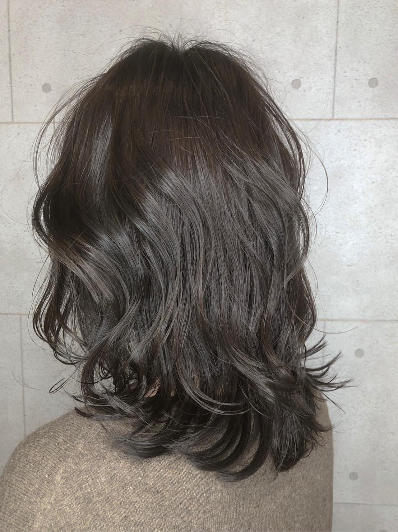 イルミナカラー ナチュラル セミロング グラデーションカラー ヘアスタイルや髪型の写真・画像