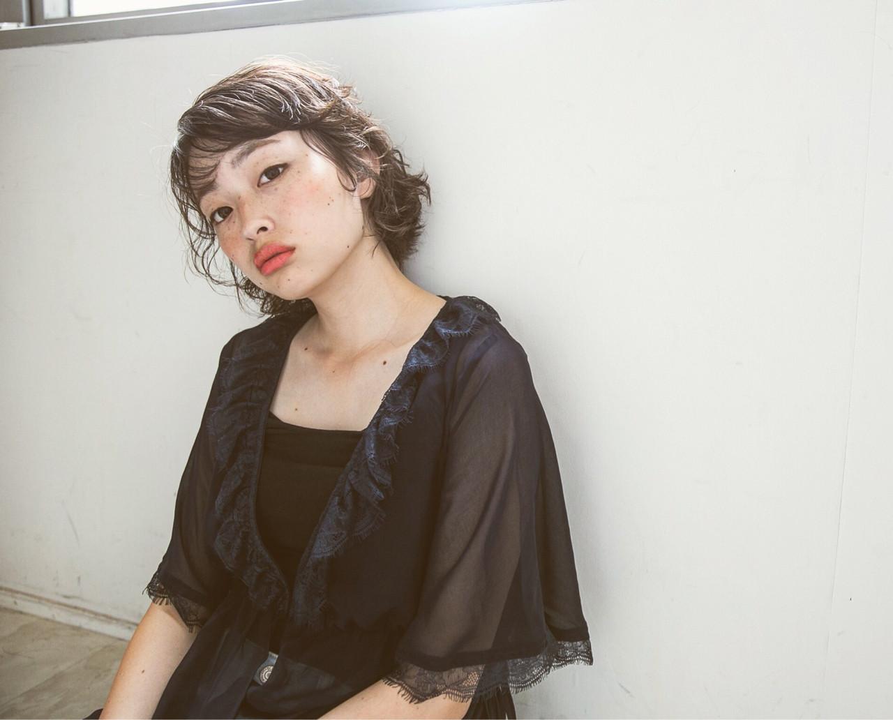 黒髪 ナチュラル パーマ モード ヘアスタイルや髪型の写真・画像