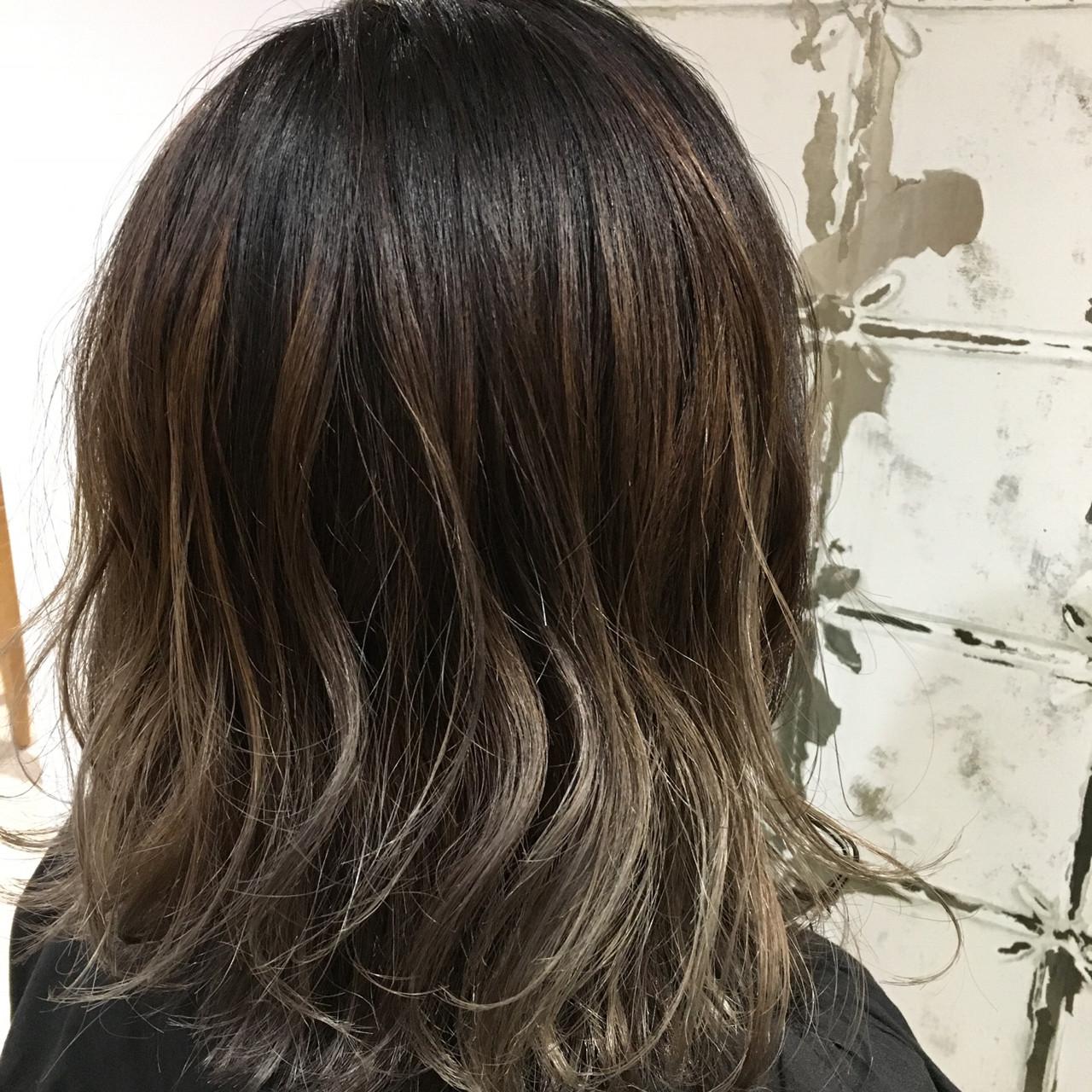 ハイライト 外国人風 アッシュ バレイヤージュ ヘアスタイルや髪型の写真・画像 | 岡本 光太 / Acotto Labas