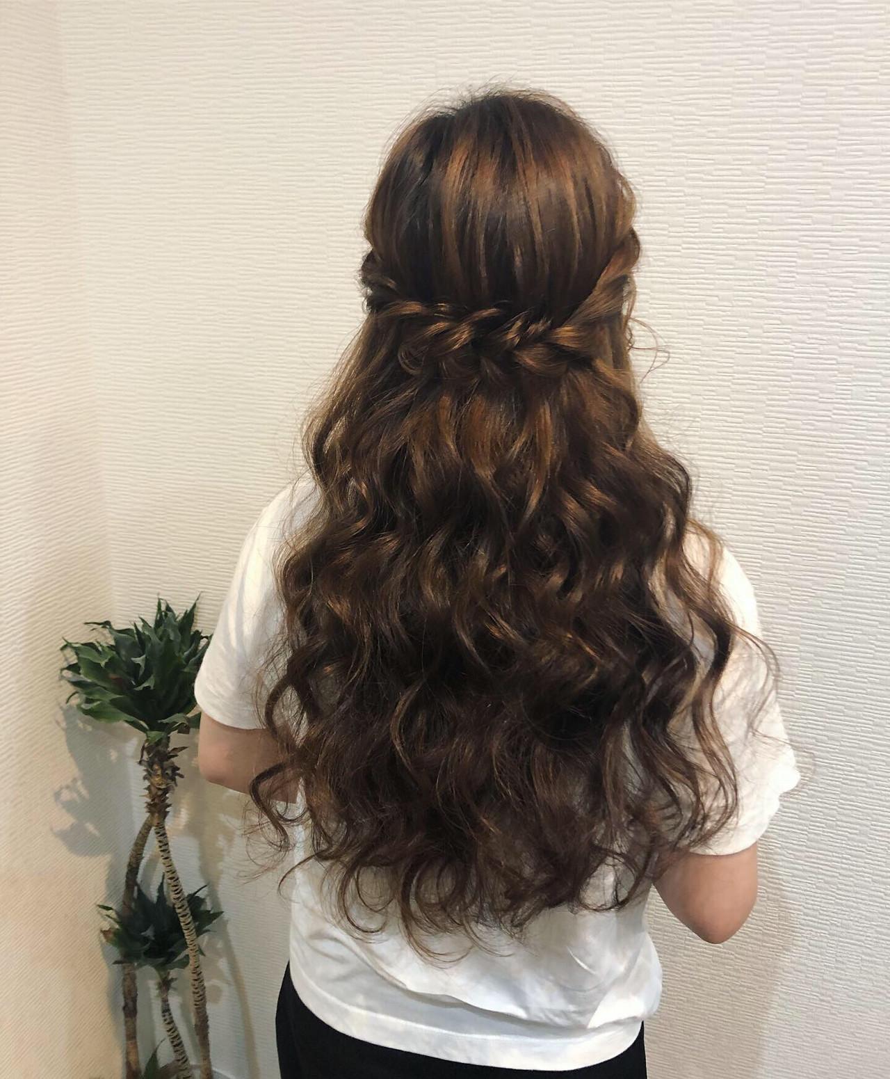 フェミニン ねじり ヘアアレンジ ロング ヘアスタイルや髪型の写真・画像