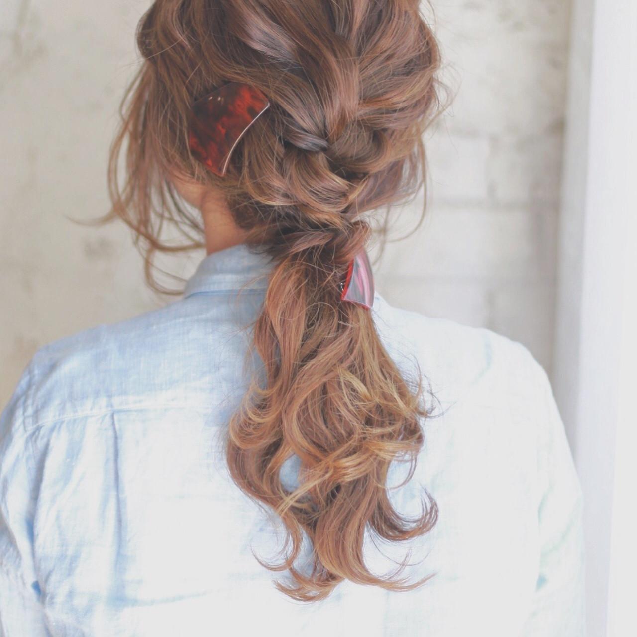 簡単ヘアアレンジ アッシュ ブラウン ショート ヘアスタイルや髪型の写真・画像