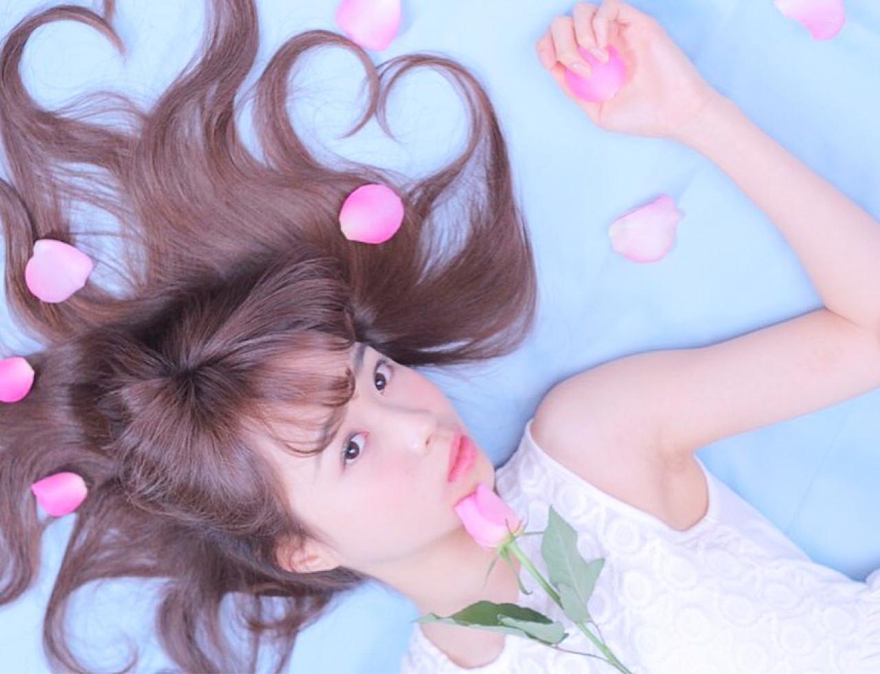 ラベンダーアッシュ フェミニン リラックス ロング ヘアスタイルや髪型の写真・画像