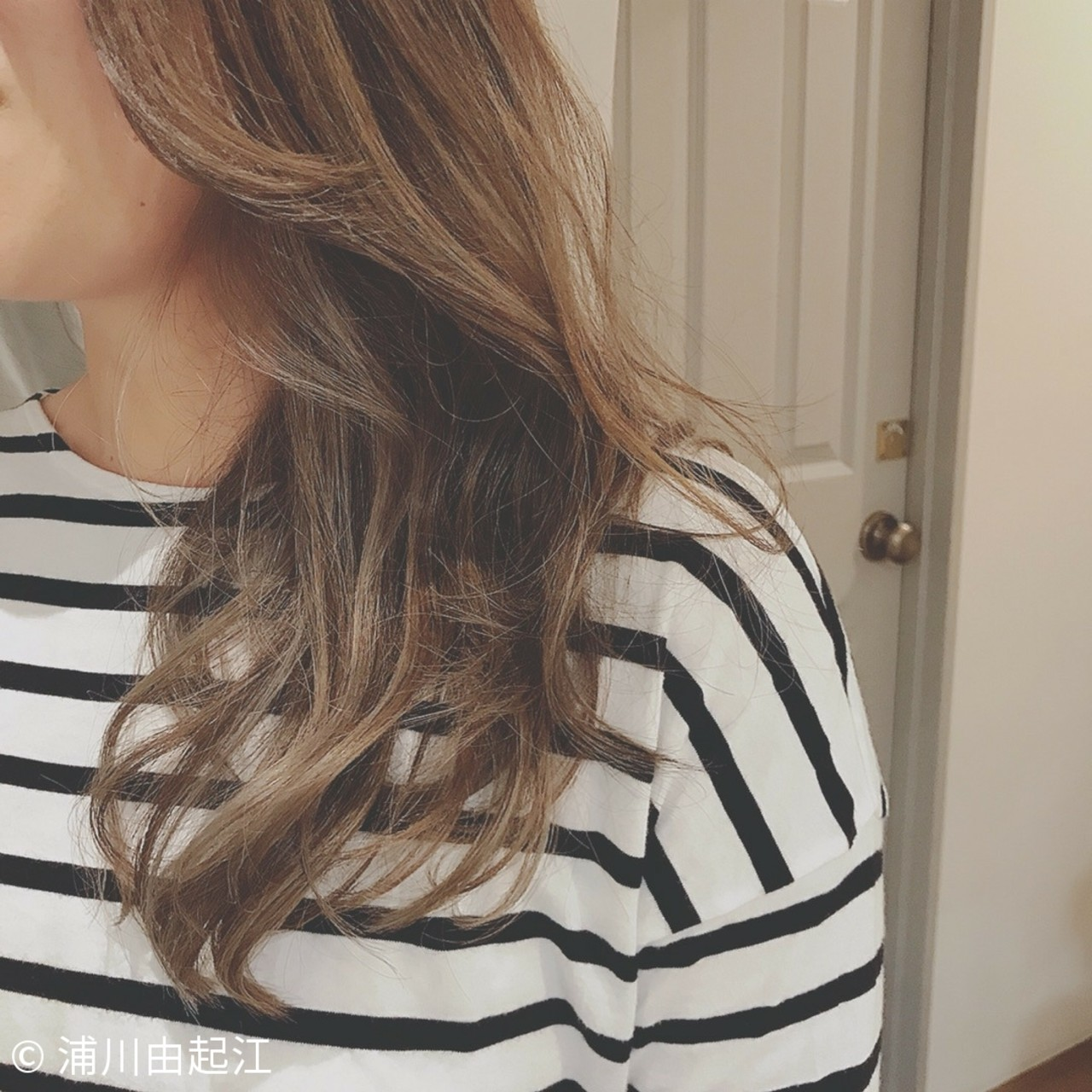 アンニュイほつれヘア グラデーションカラー ゆるふわ セミロング ヘアスタイルや髪型の写真・画像