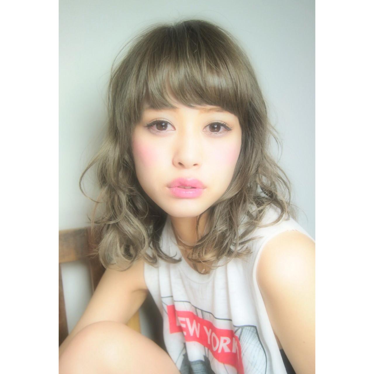 前髪あり パーマ ミディアム 大人かわいい ヘアスタイルや髪型の写真・画像