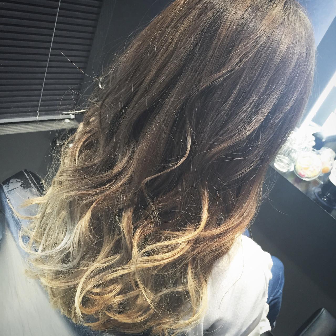 ハイライト ロング 前髪あり ストリート ヘアスタイルや髪型の写真・画像