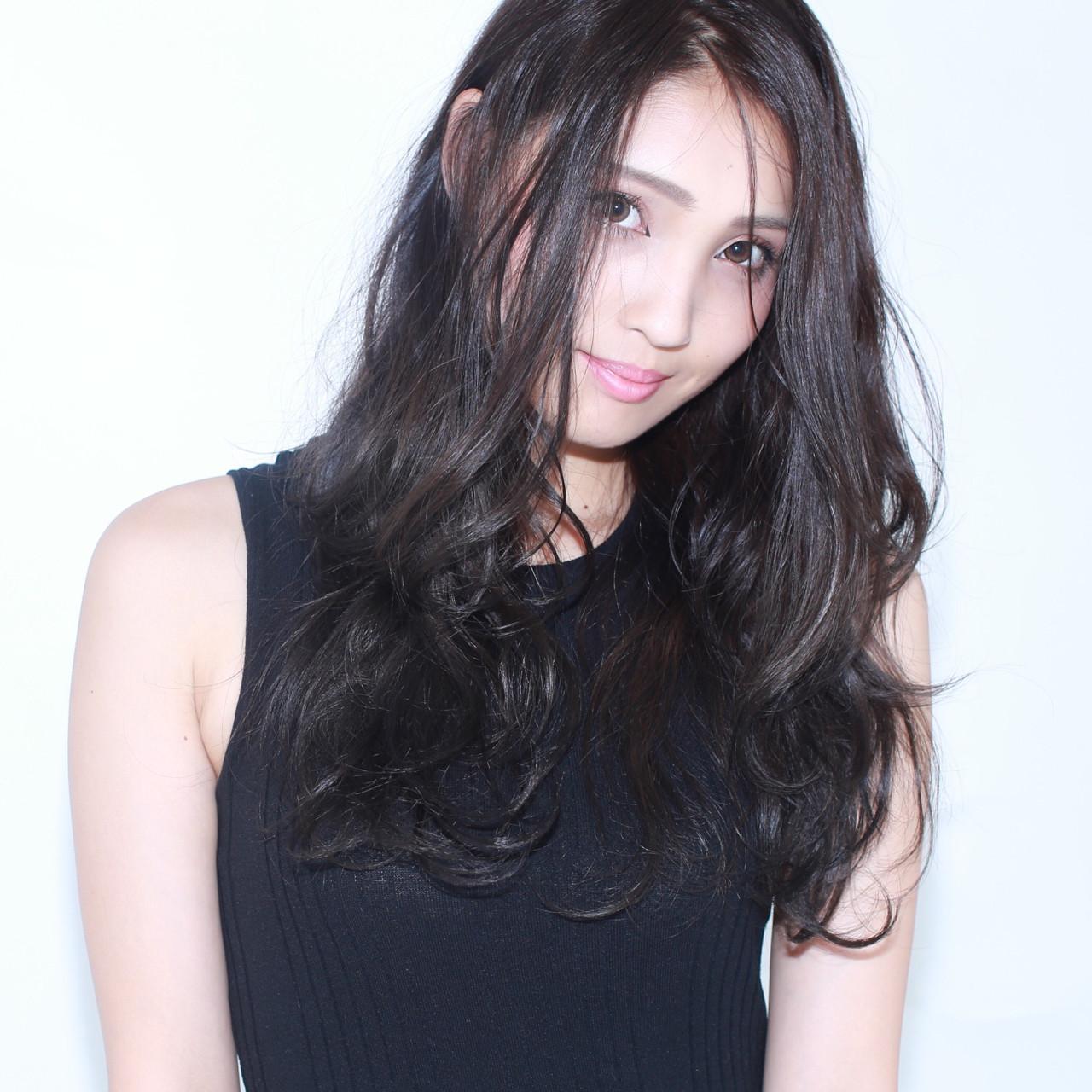 ナチュラル ロング アッシュ 外国人風 ヘアスタイルや髪型の写真・画像 | イマムラ スナオ / LUKE