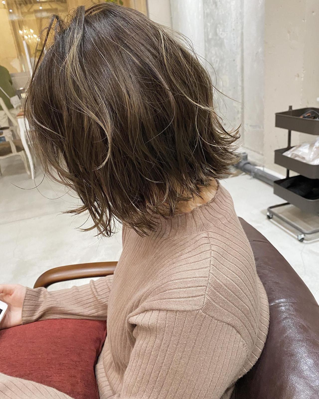 切りっぱなしボブ ナチュラル 大人ハイライト ミルクティーベージュ ヘアスタイルや髪型の写真・画像 | 田渕 英和/vicushair / vicushair