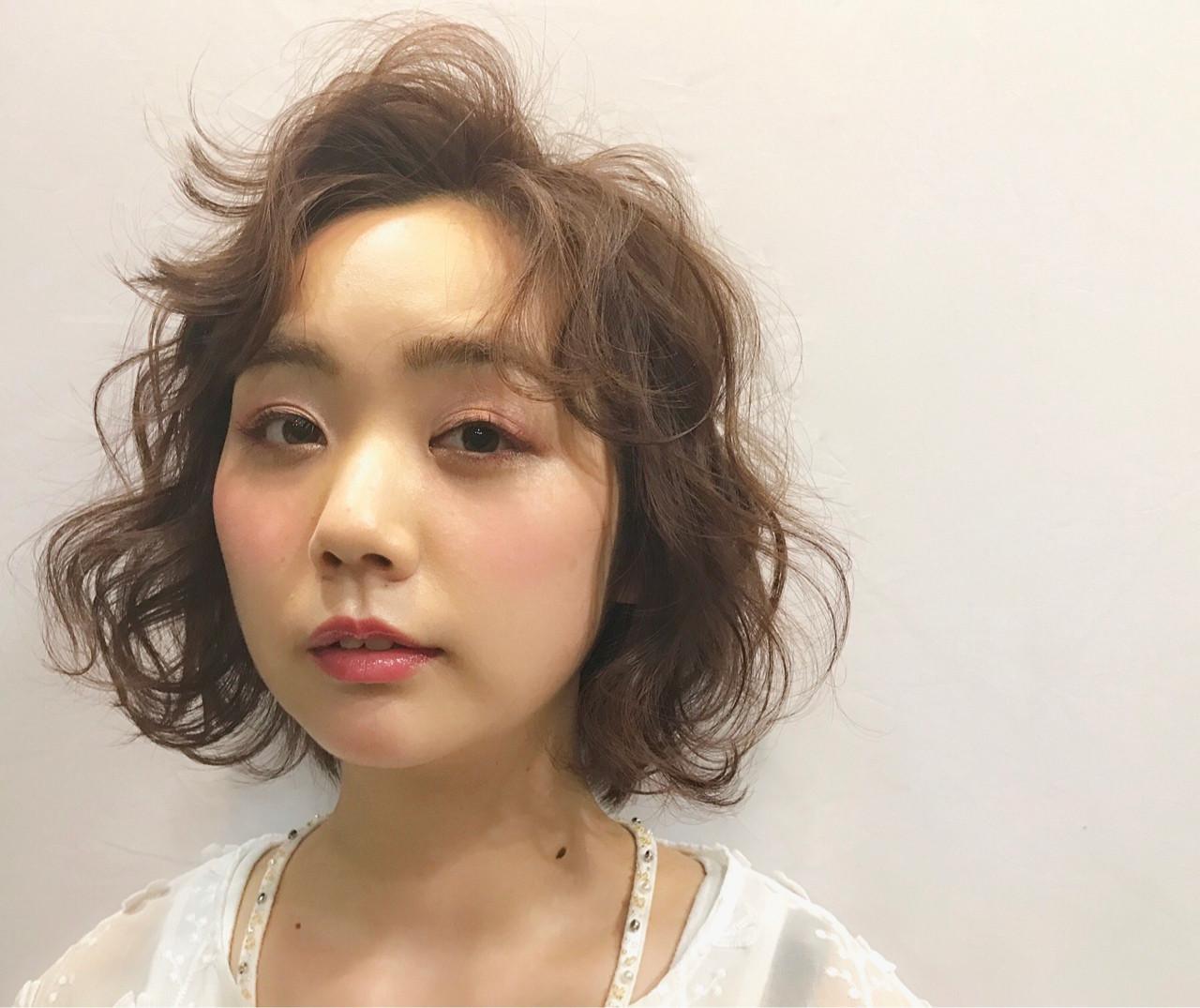 ピンク ウェーブ ボブ ガーリー ヘアスタイルや髪型の写真・画像