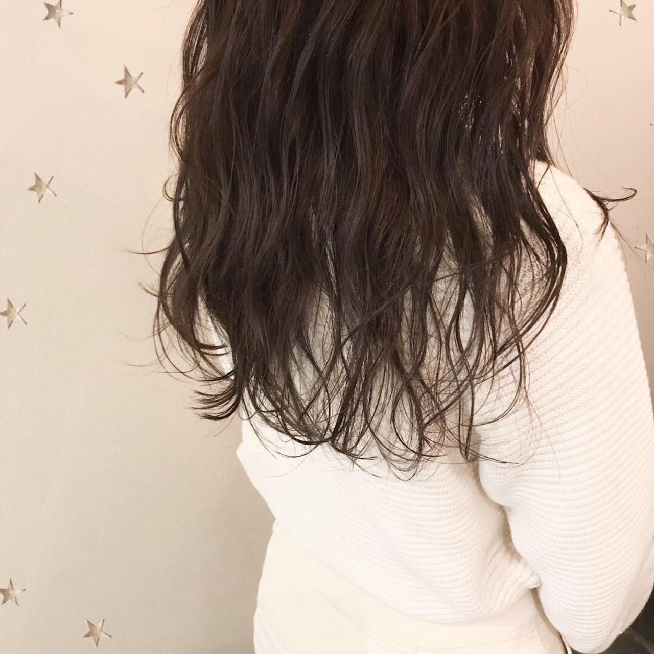 ナチュラル ロング アンニュイほつれヘア ゆるナチュラル ヘアスタイルや髪型の写真・画像