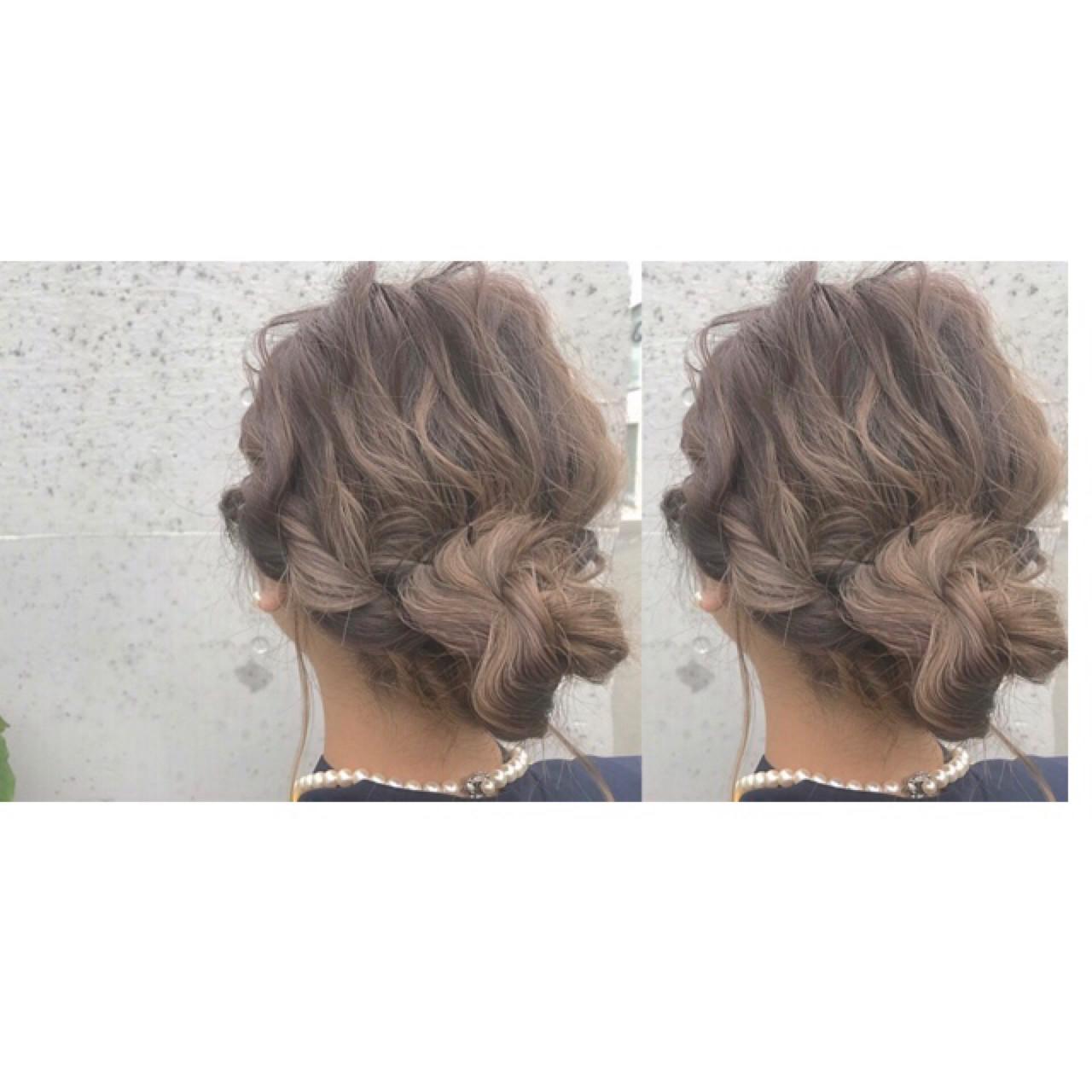 お団子 ヘアアレンジ ロング ナチュラル ヘアスタイルや髪型の写真・画像 | Rie Akita / LOAVE omotesando