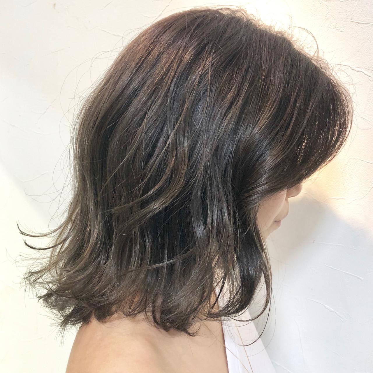 パーマ オフィス アンニュイほつれヘア デート ヘアスタイルや髪型の写真・画像