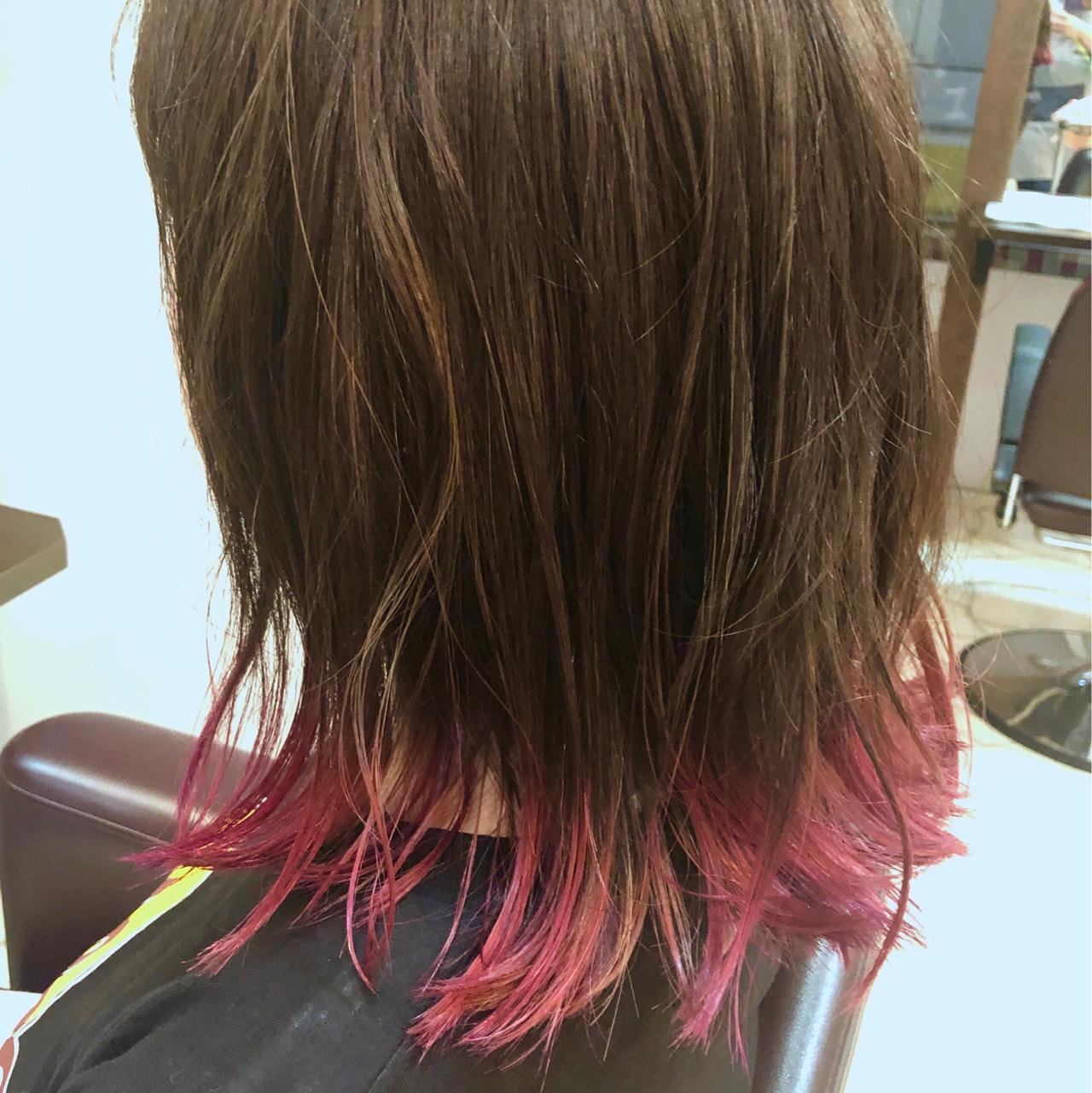 ブリーチカラー フェミニン ヘアカラー ミディアム ヘアスタイルや髪型の写真・画像