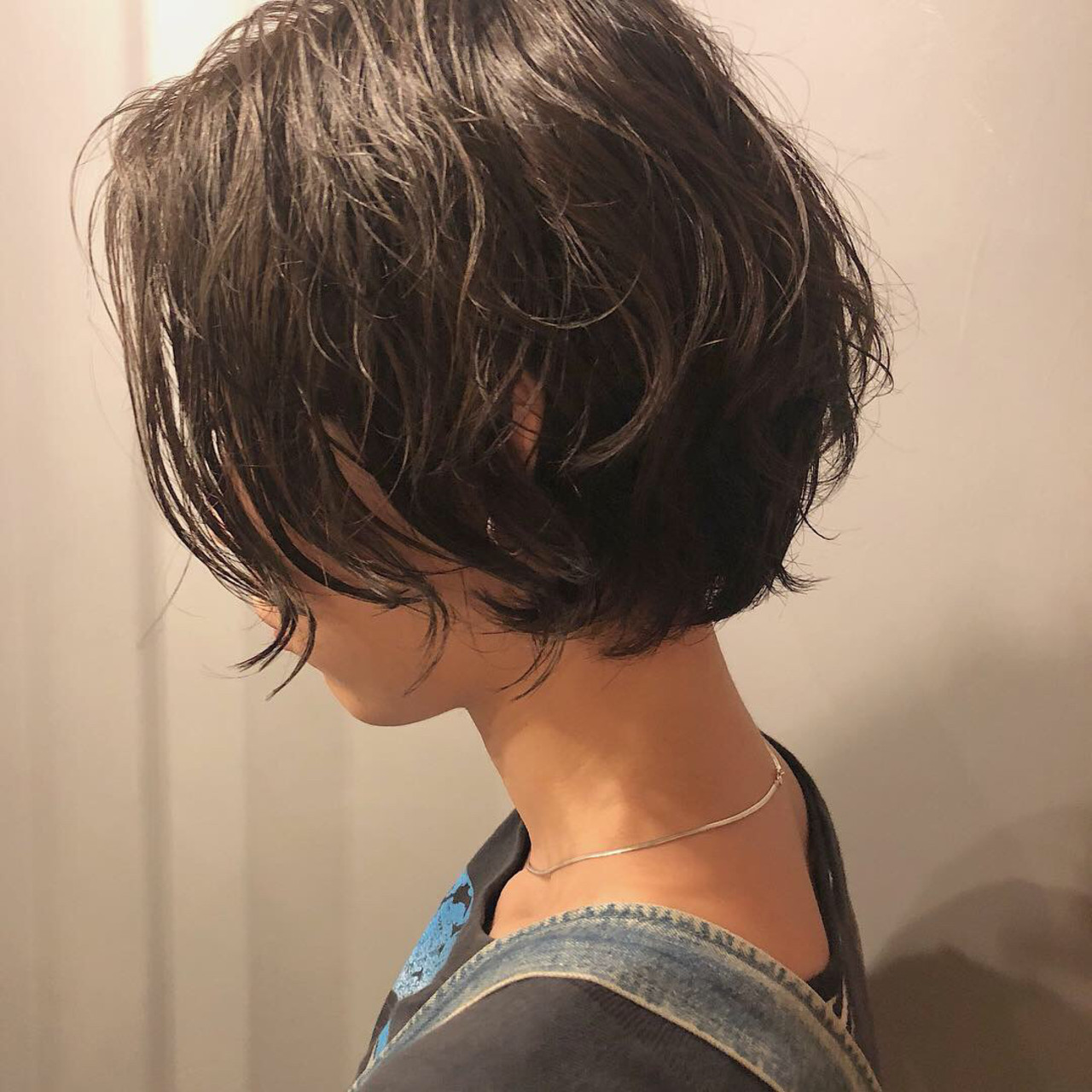 アンニュイほつれヘア ナチュラル ショート グレージュ ヘアスタイルや髪型の写真・画像