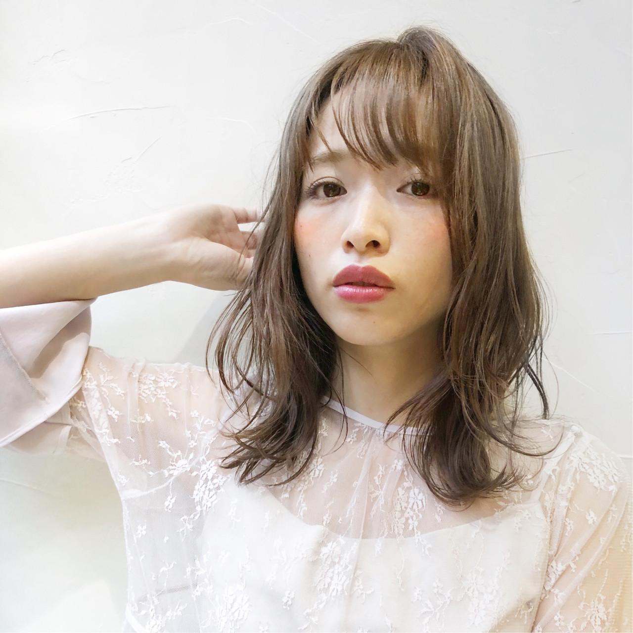 簡単ヘアアレンジ パーマ アンニュイほつれヘア ナチュラル ヘアスタイルや髪型の写真・画像