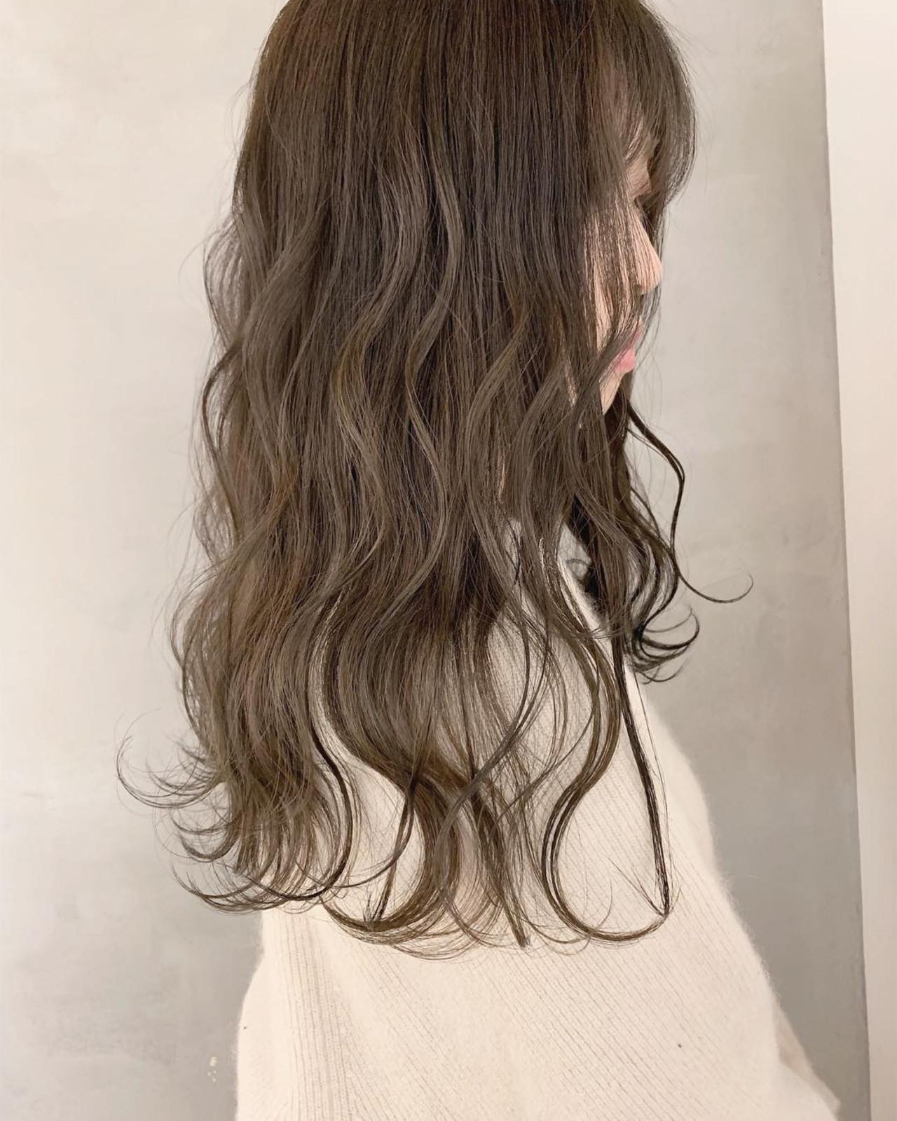 アッシュベージュ アッシュグレージュ グレージュ ミルクティーグレージュ ヘアスタイルや髪型の写真・画像
