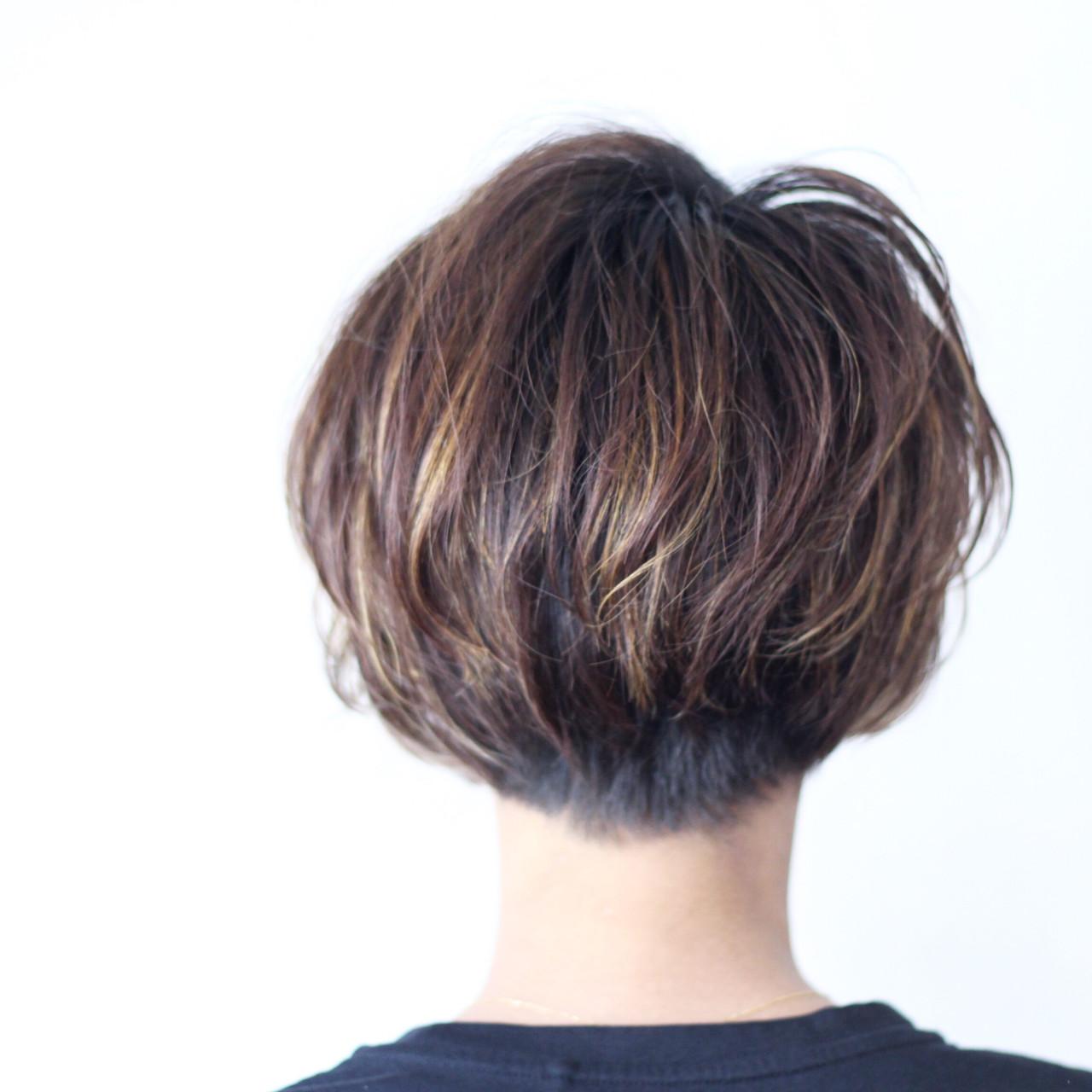 ナチュラル コントラストハイライト ボブ 3Dハイライト ヘアスタイルや髪型の写真・画像