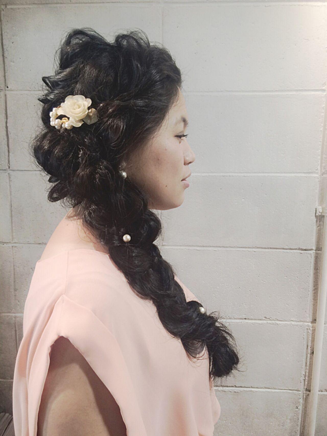 編み込み くるりんぱ パーティ ロング ヘアスタイルや髪型の写真・画像   オカハラ シオリ / ninon