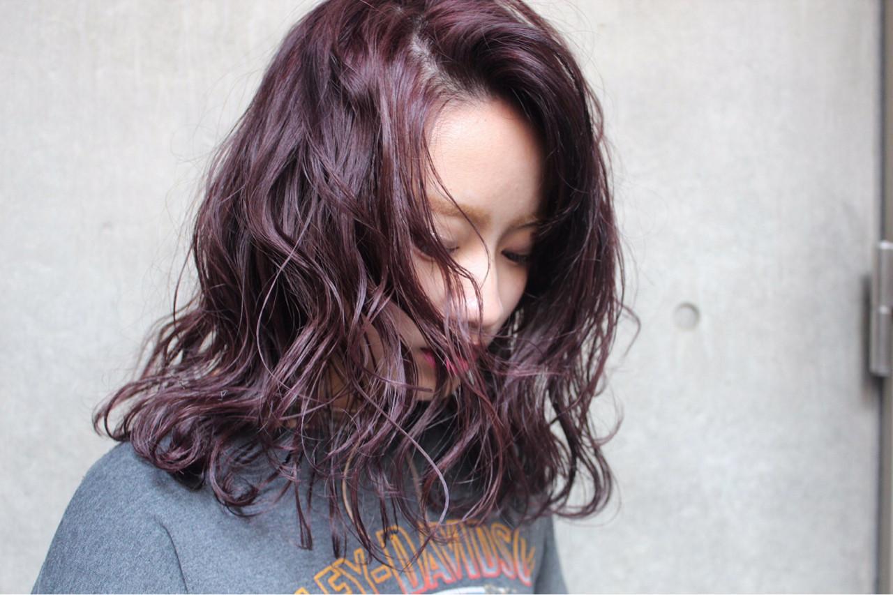 小顔 ミディアム ミルクティー ニュアンス ヘアスタイルや髪型の写真・画像