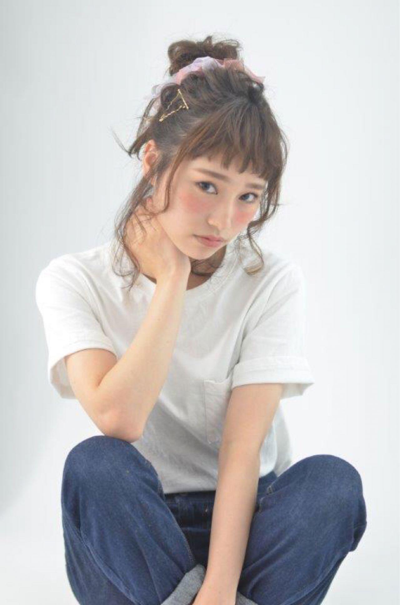 ショート セミロング お団子 簡単ヘアアレンジ ヘアスタイルや髪型の写真・画像