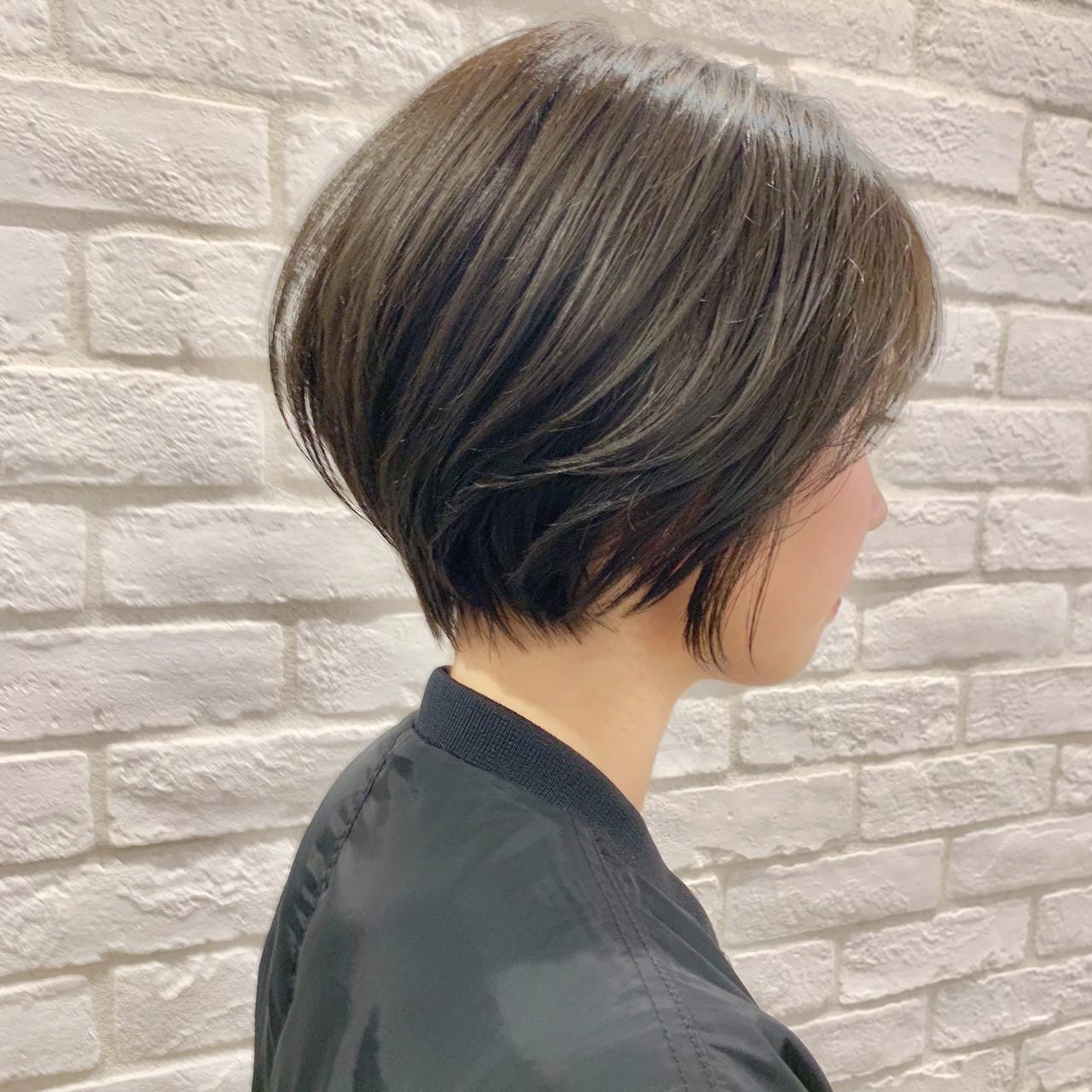 オフィス デート パーマ ナチュラル ヘアスタイルや髪型の写真・画像 | ショートボブの匠【 山内大成 】『i.hair』 / 『 i. 』 omotesando