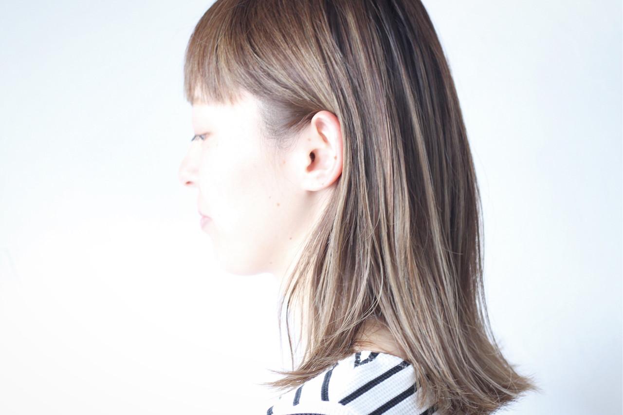 グレージュ ハイライト コントラストハイライト 3Dハイライト ヘアスタイルや髪型の写真・画像