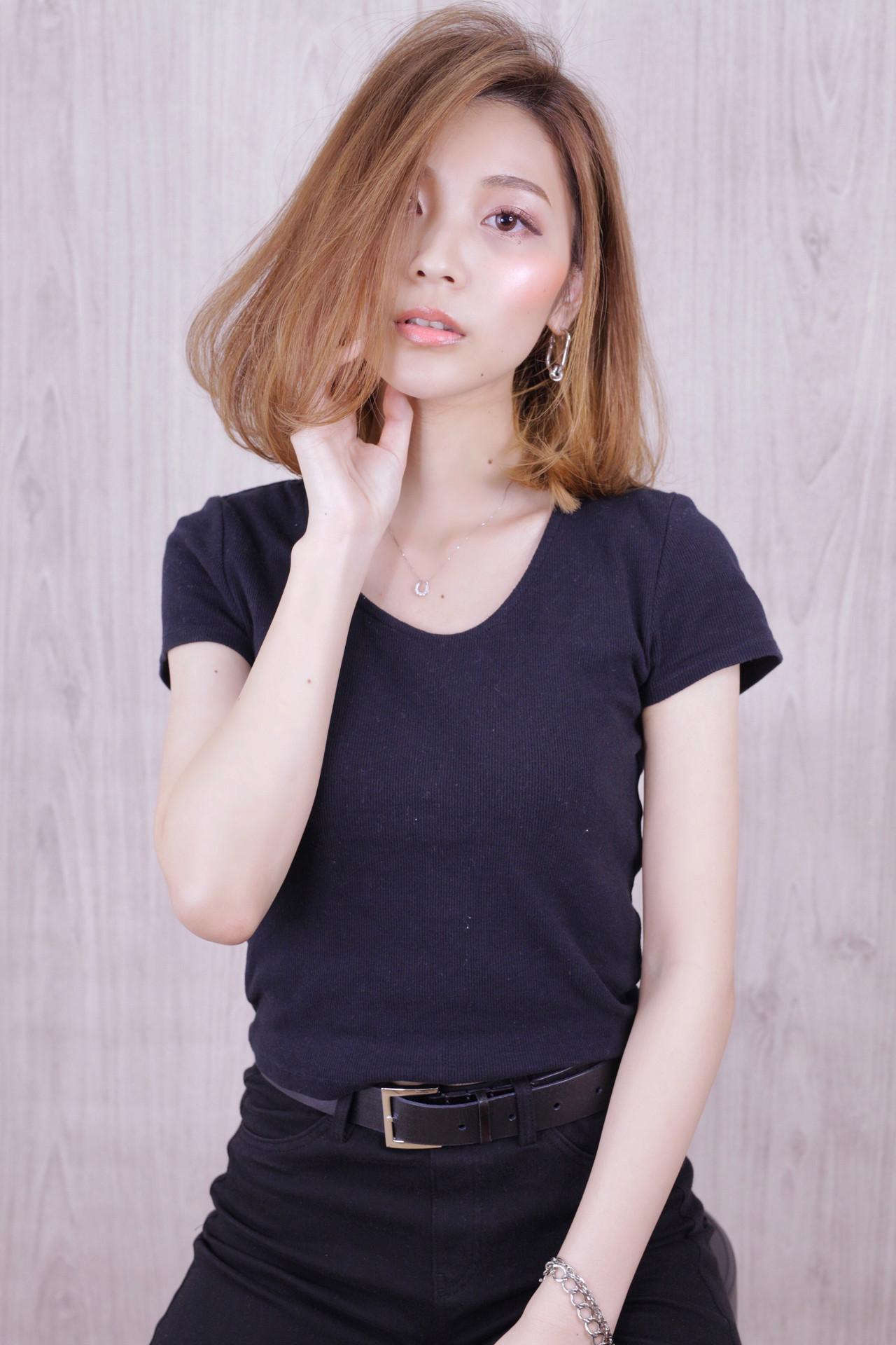 ミディアム ナチュラル アンニュイほつれヘア ワンカールスタイリング ヘアスタイルや髪型の写真・画像 | 石田 学史 / DISHEL
