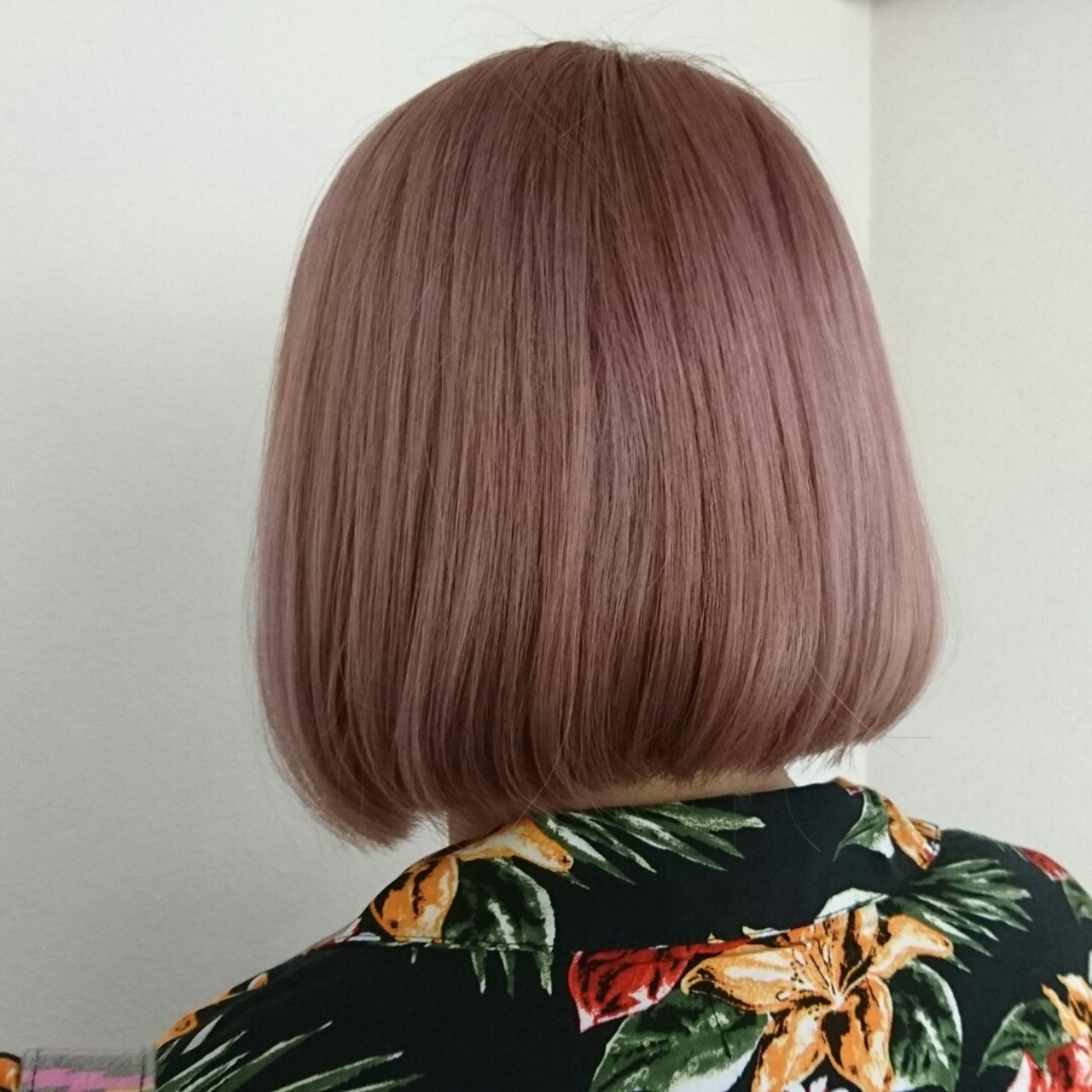 ハイトーン ピンクアッシュ ピンク ベージュ ヘアスタイルや髪型の写真・画像