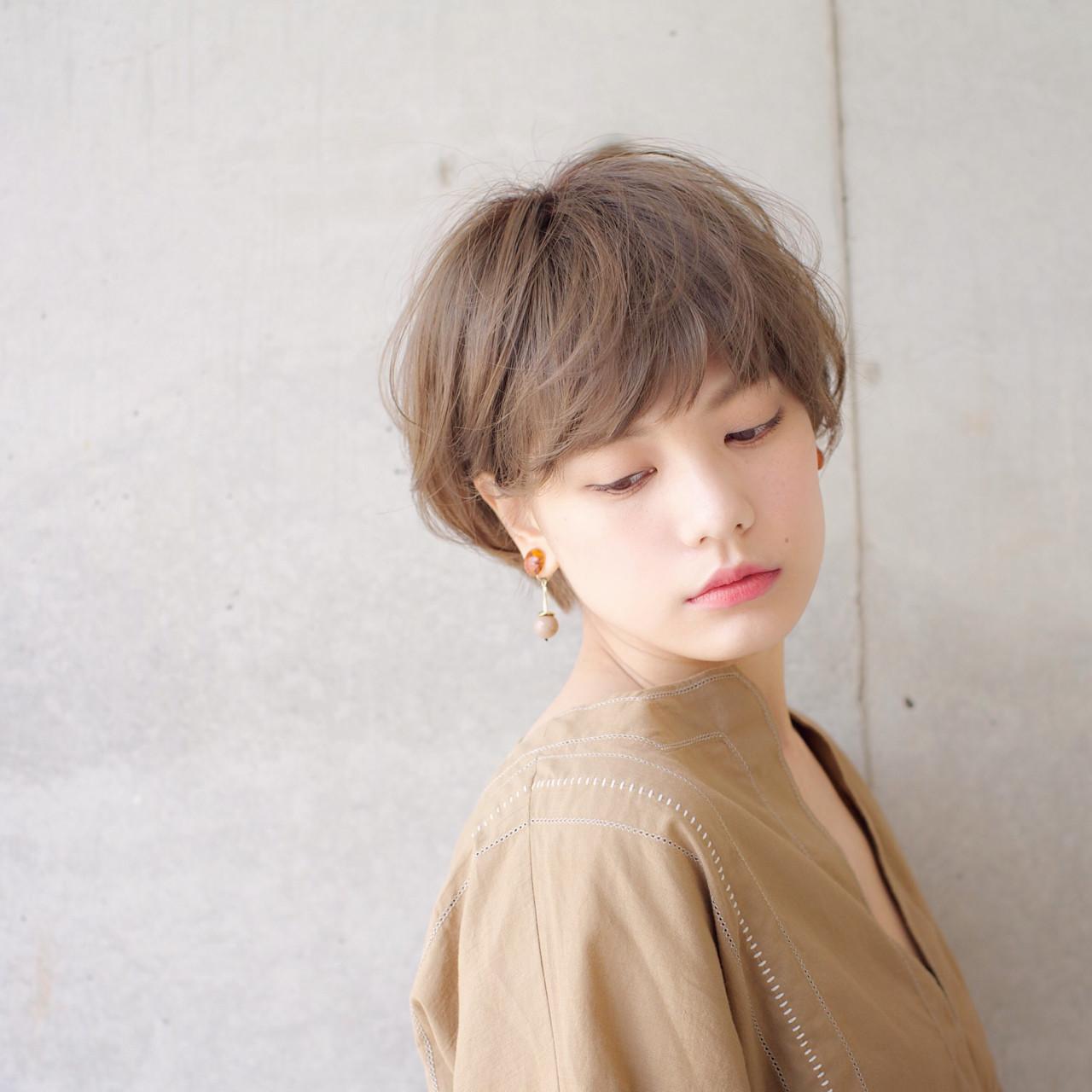 斜め前髪 アッシュ ナチュラル 外国人風 ヘアスタイルや髪型の写真・画像   石川 瑠利子 /