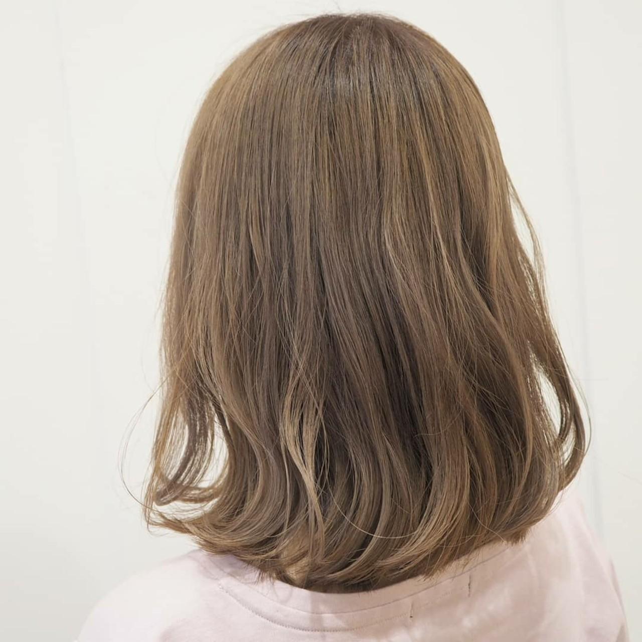 ベージュ ミルクティーベージュ ナチュラル 透明感 ヘアスタイルや髪型の写真・画像