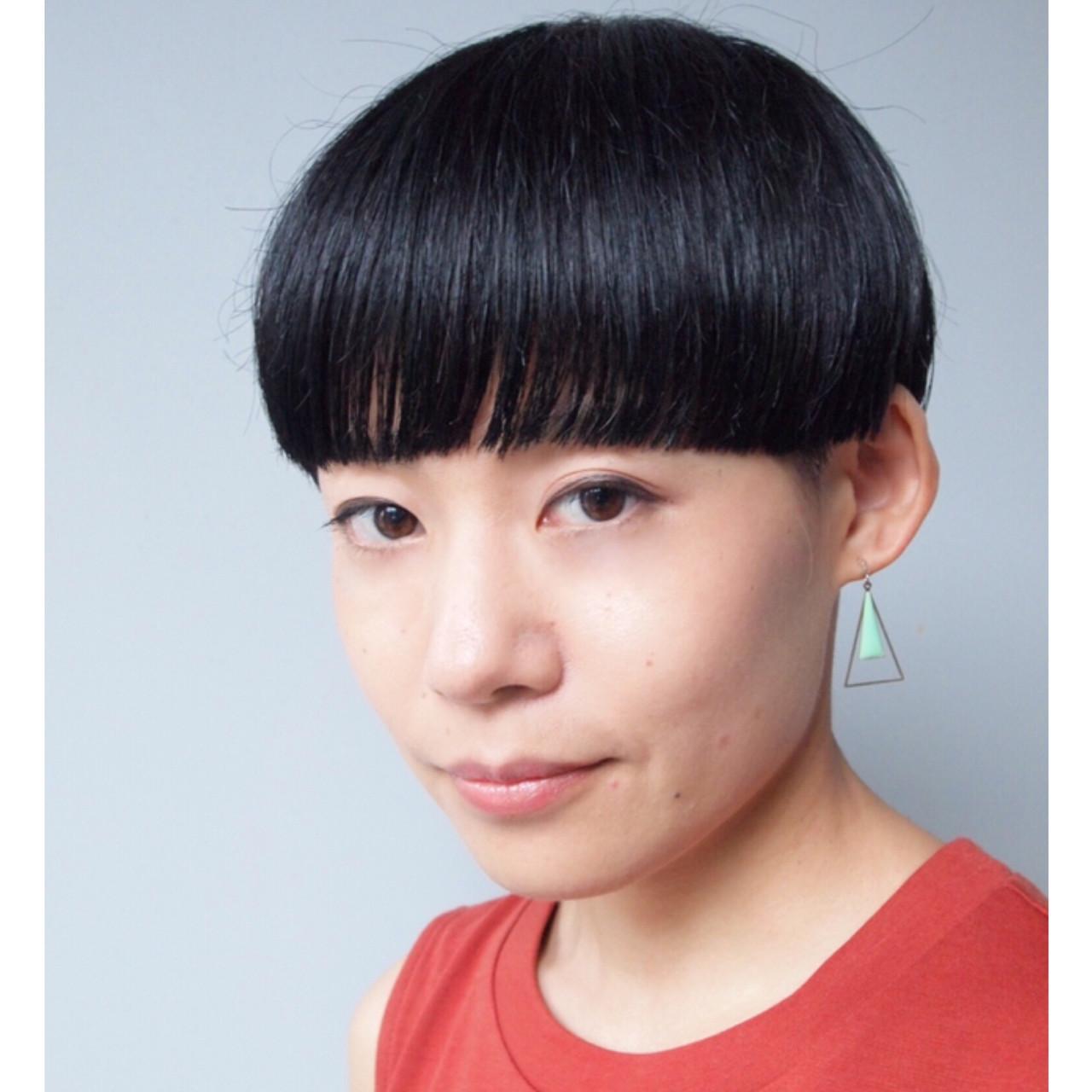 刈り上げ女子 マッシュショート オフィス モード ヘアスタイルや髪型の写真・画像