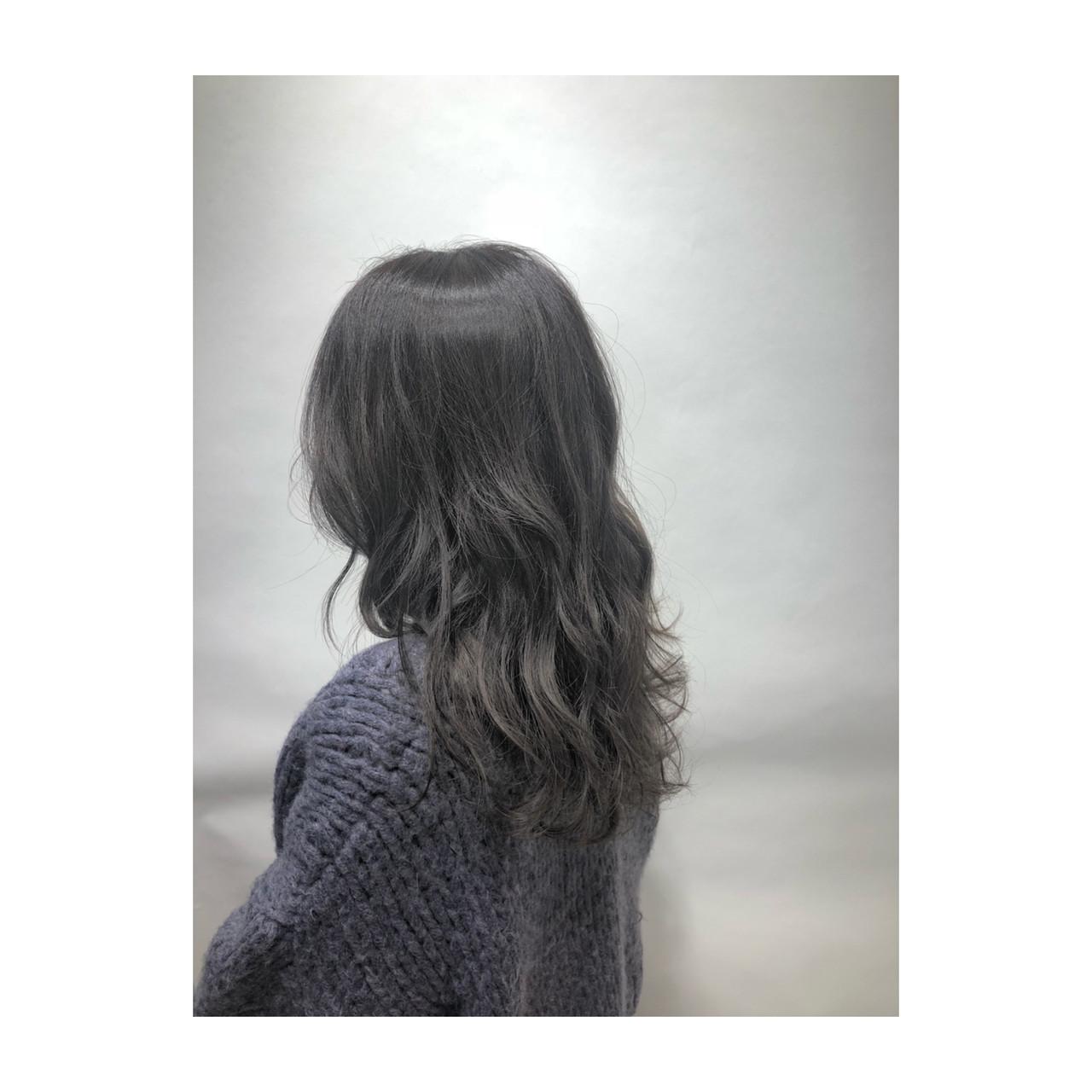 ハイライト 透明感 グレー グレージュ ヘアスタイルや髪型の写真・画像