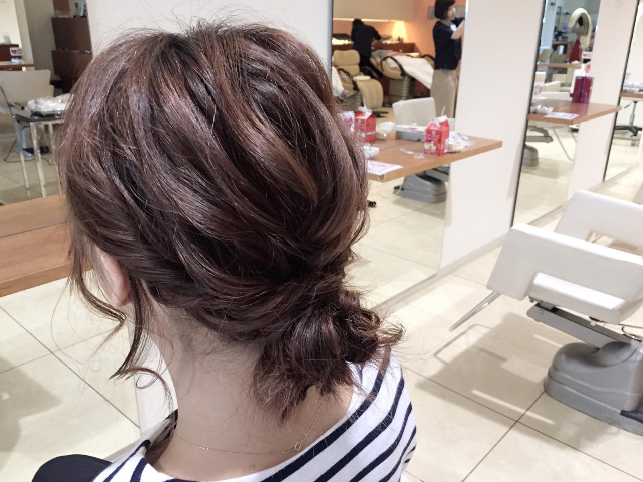 セミロング 波ウェーブ 大人かわいい ヘアアレンジ ヘアスタイルや髪型の写真・画像