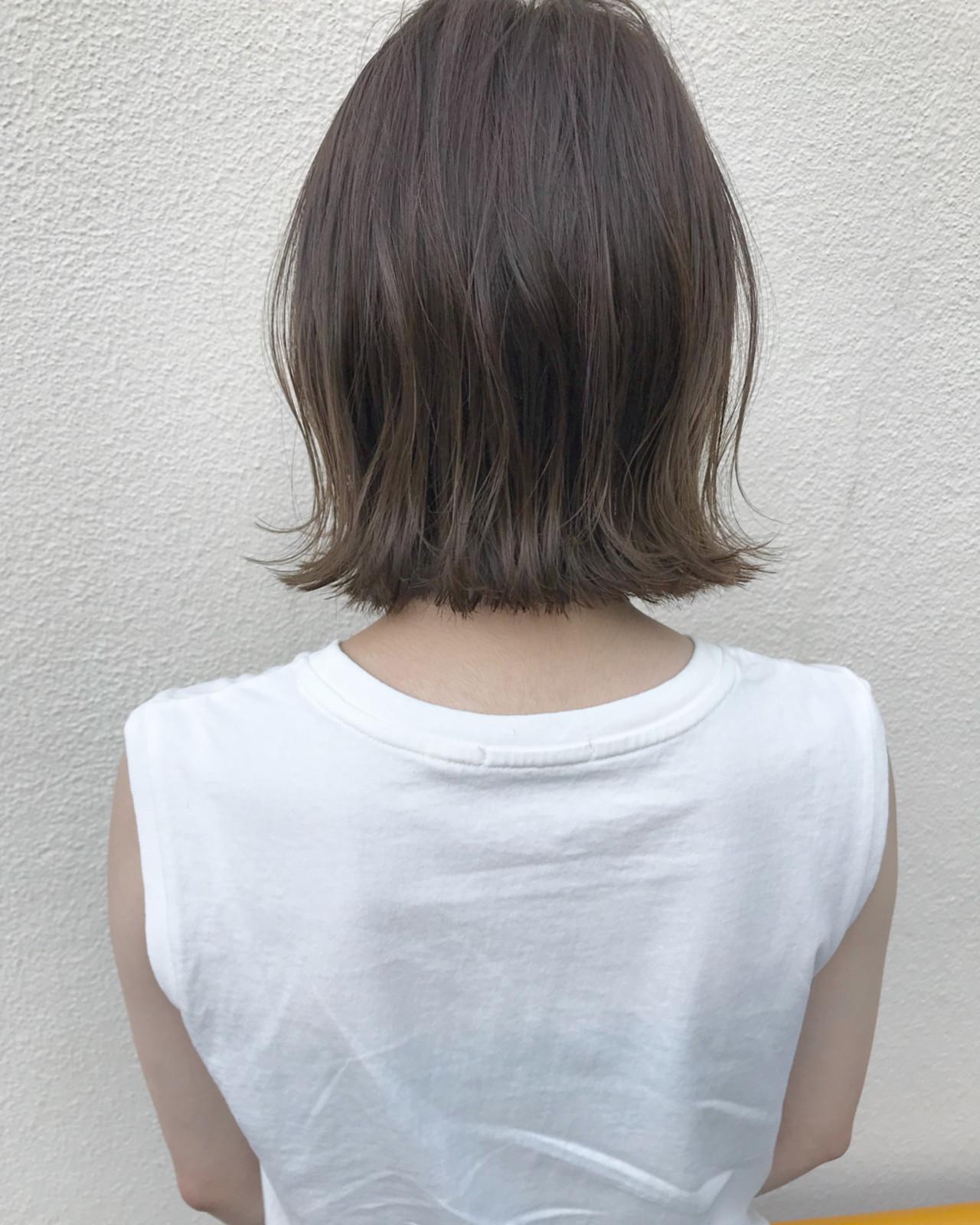 ナチュラル ロブ 外ハネ 切りっぱなし ヘアスタイルや髪型の写真・画像
