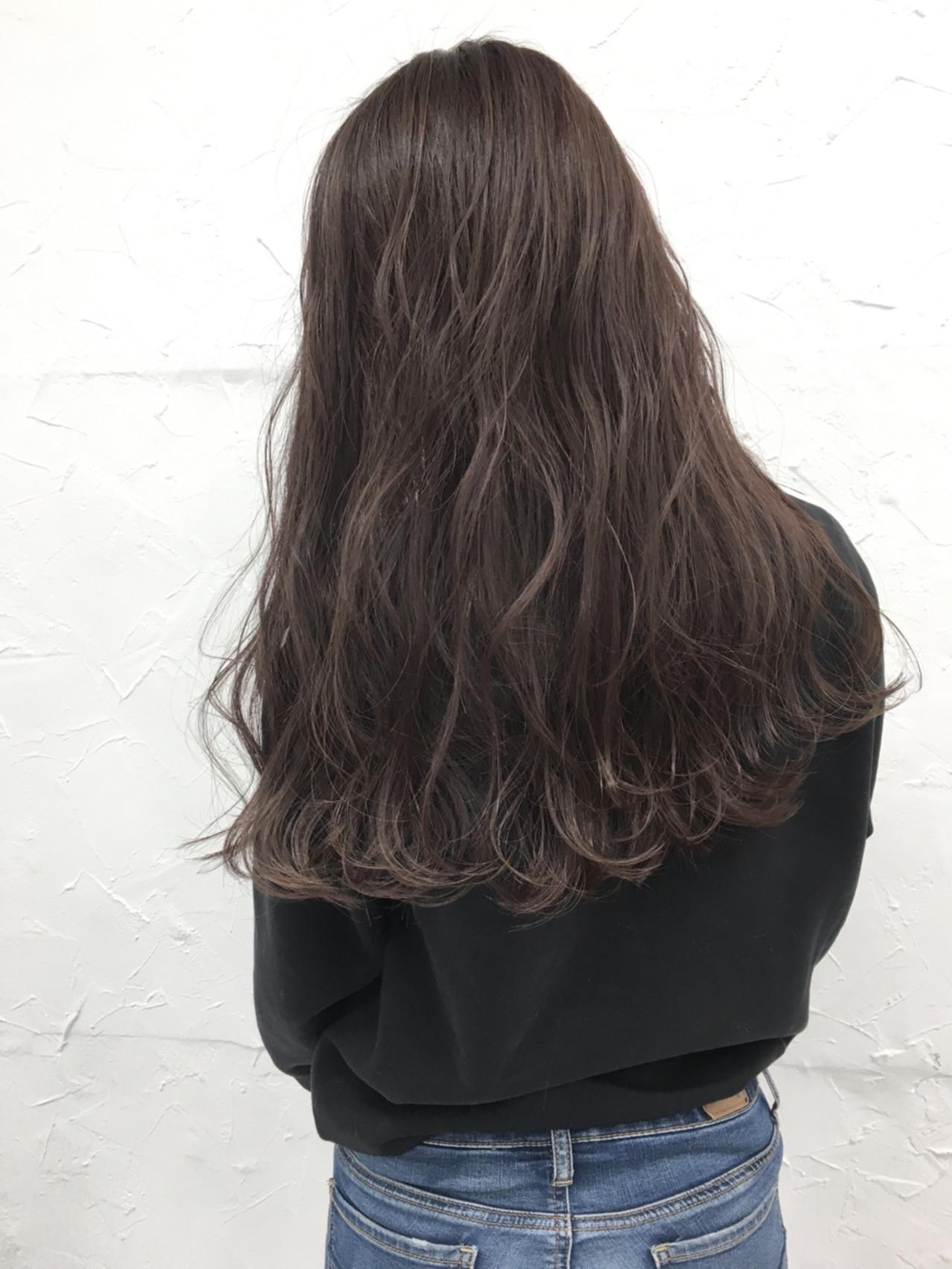 ピンクアッシュ グレージュ ラベンダーアッシュ アンニュイ ヘアスタイルや髪型の写真・画像